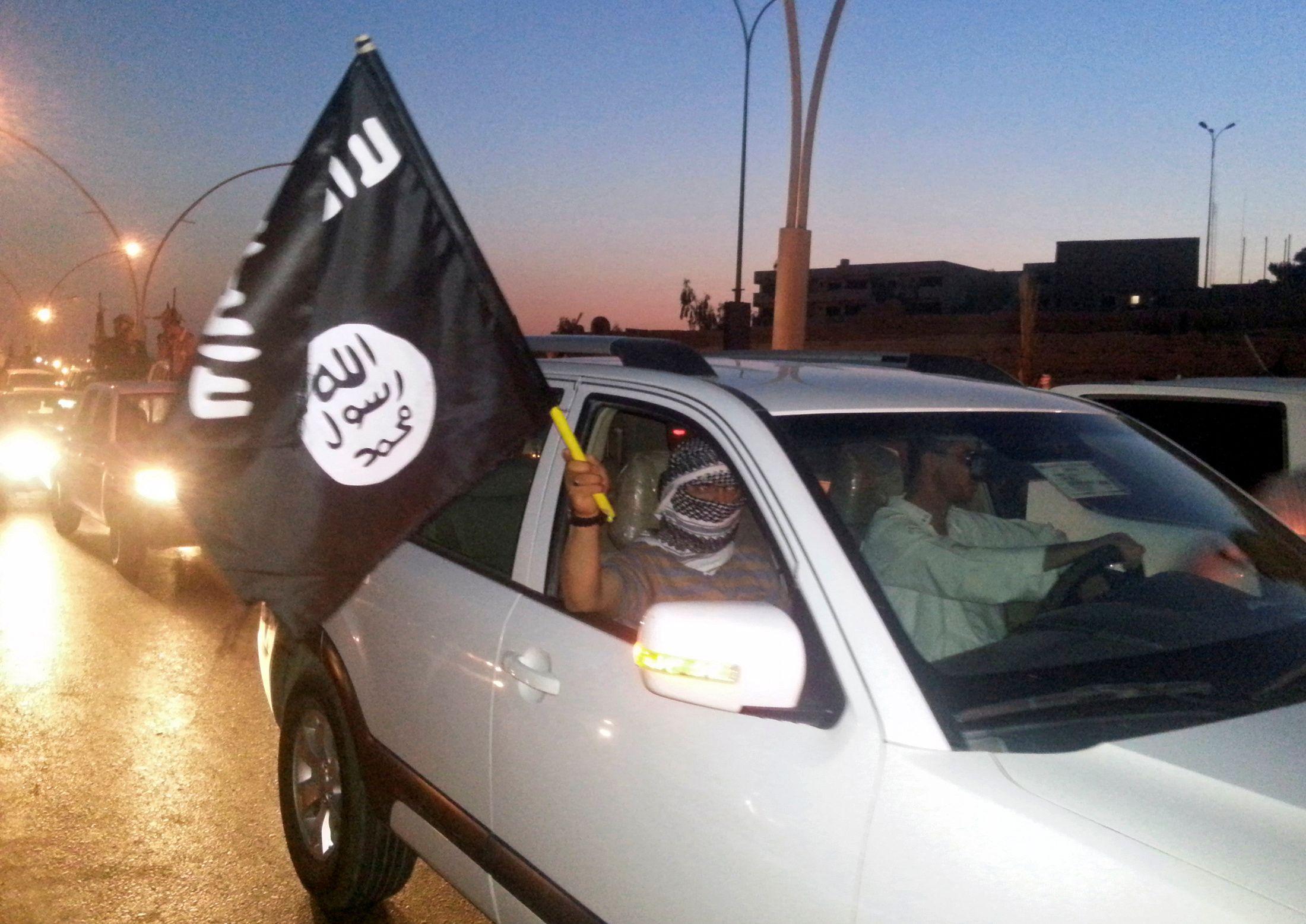 """Mossoul : 100 000 civils seraient retenus comme """"boucliers humains"""" par l'Etat islamique, selon l'ONU"""