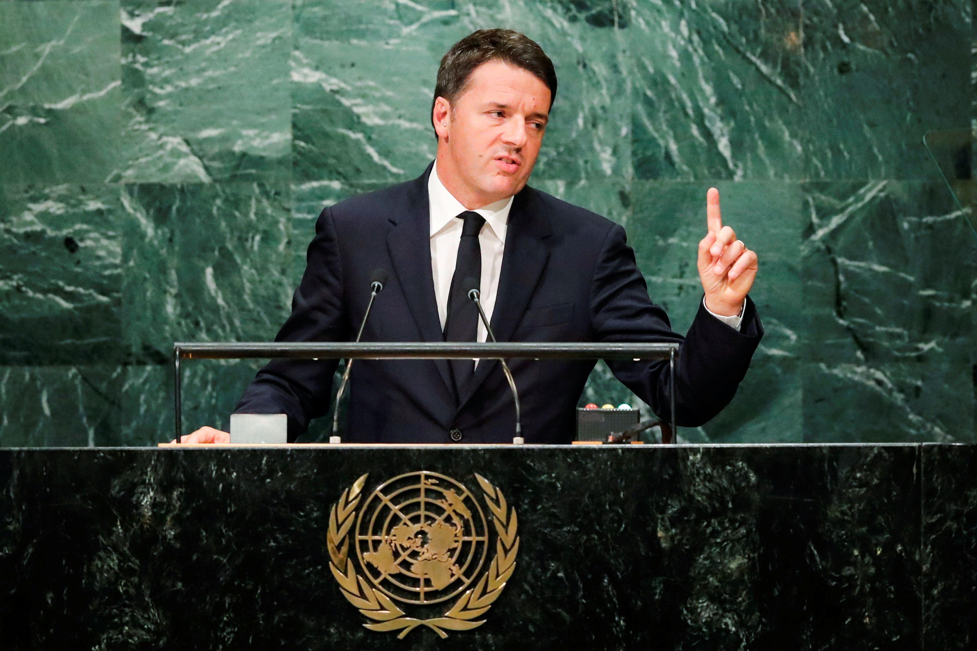 """Matteo Renzi : """"J'ai commis l'erreur de politiser le référendum"""""""
