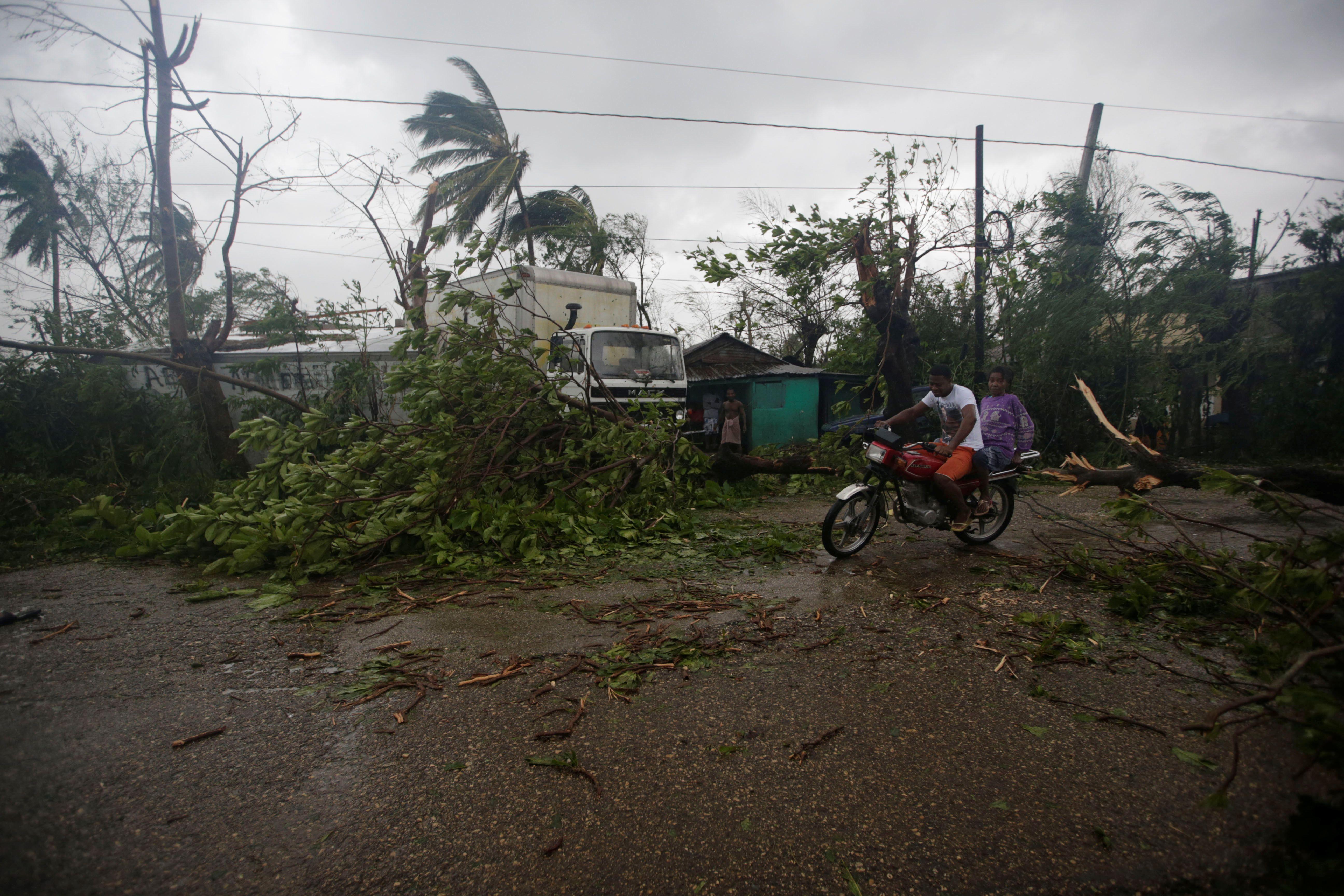 L'ouragan Matthew fait des centaines de morts en Haïti et menace désormais les Etats-Unis