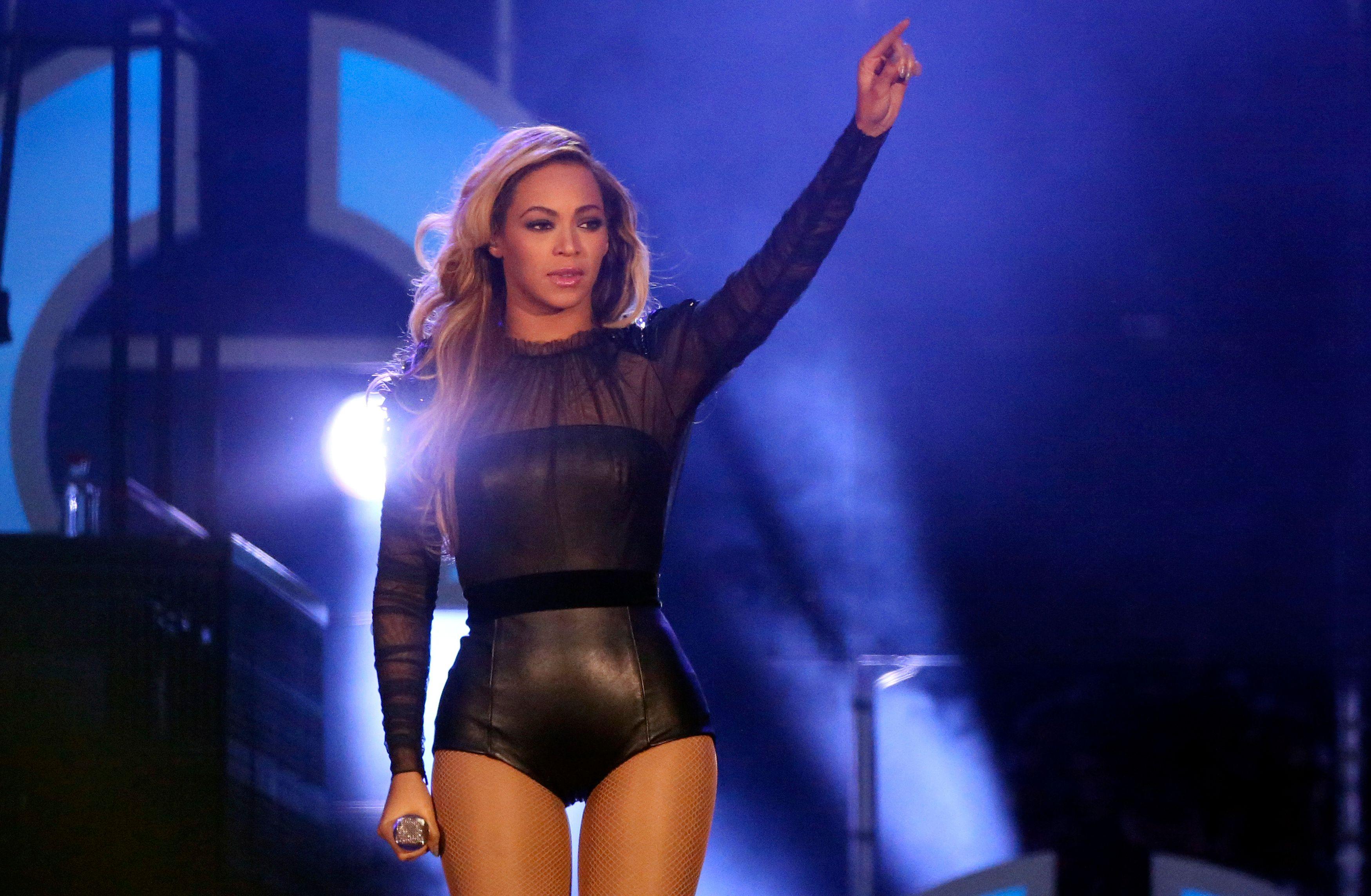 Beyoncé rejoint Coldplay pour le concert de mi-temps du Super Bowl 2016