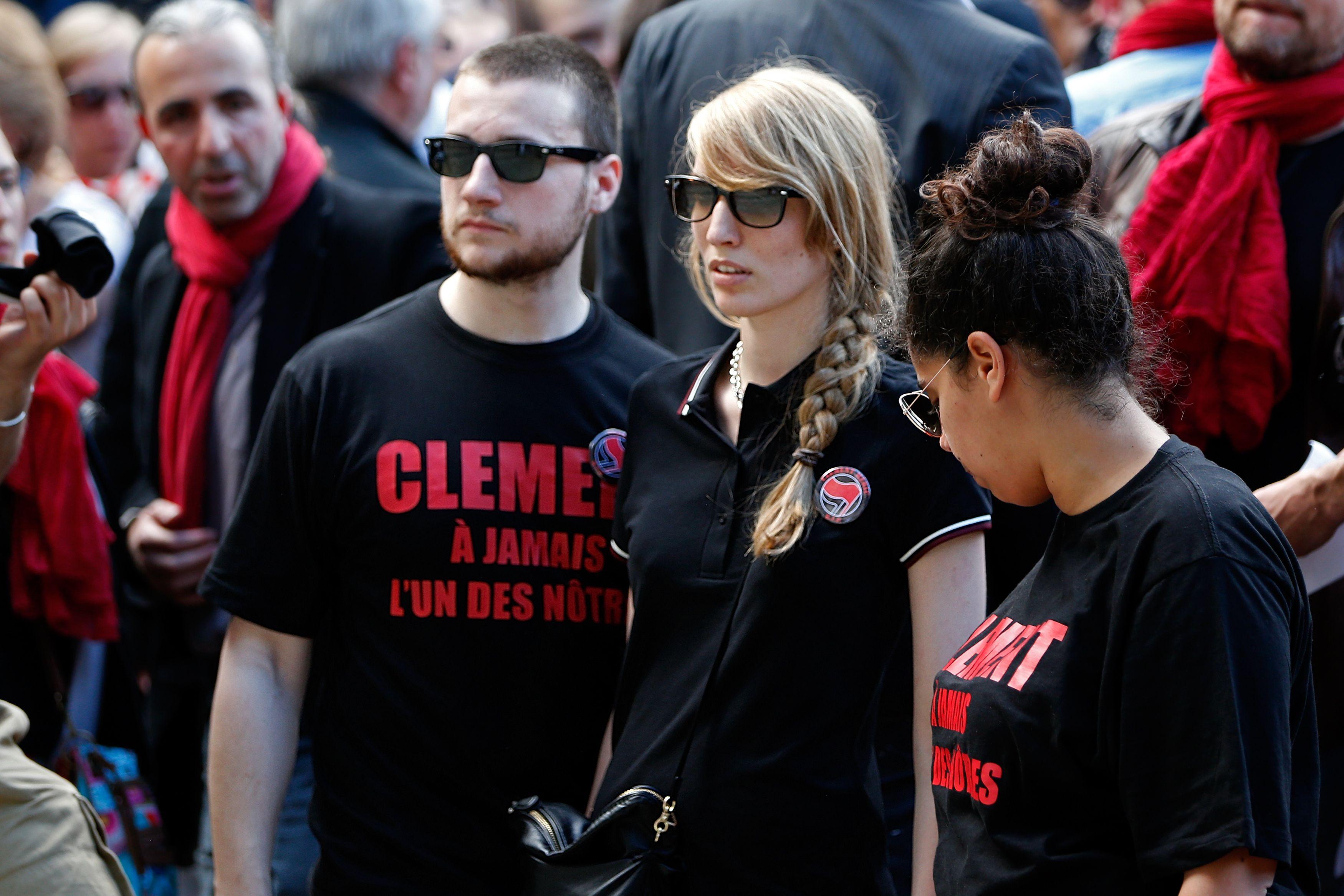 Des milliers de personnes se sont rassemblées jeudi place Saint-Michel à Paris pour rendre hommage à Clément Méric.