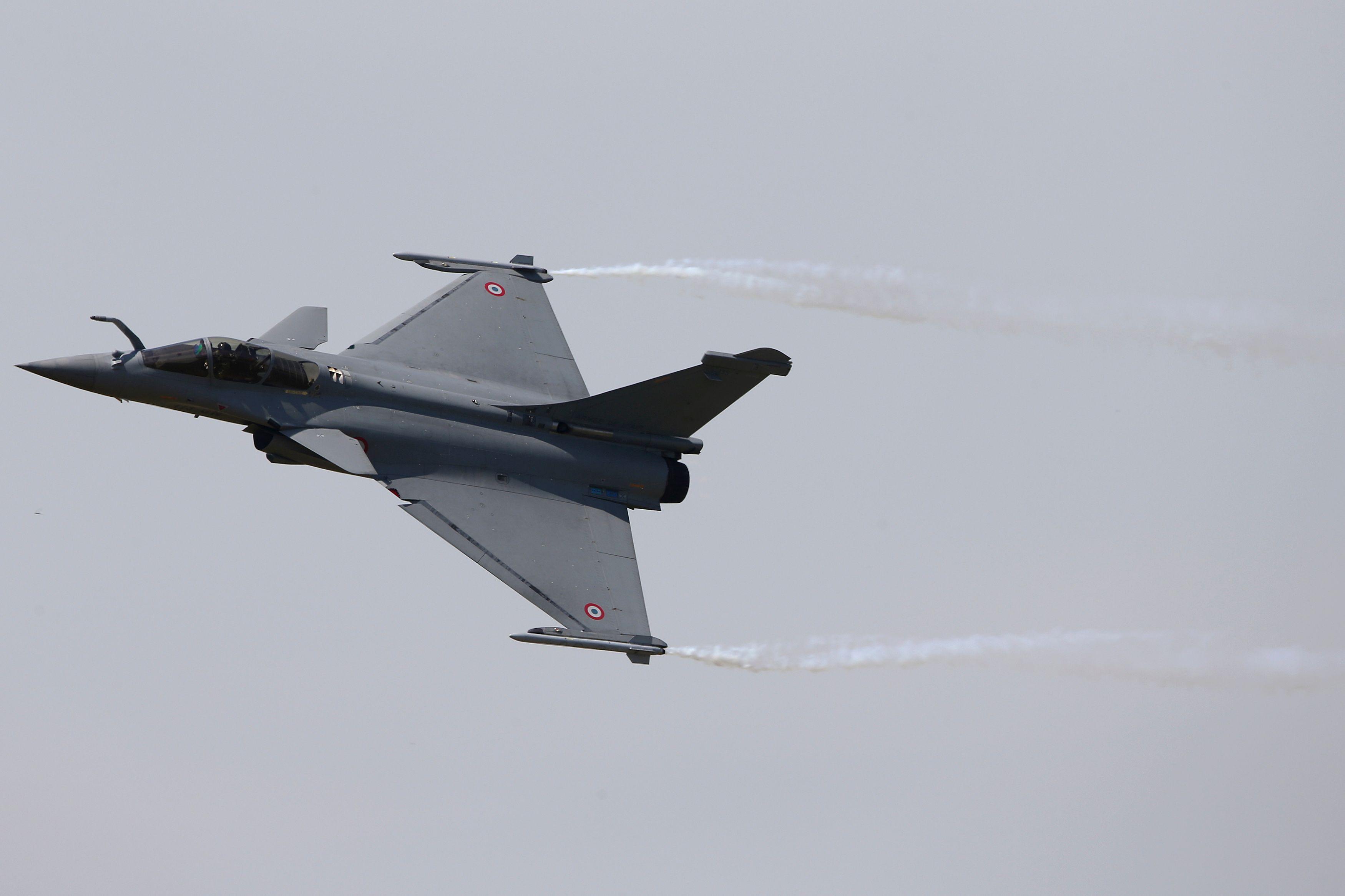 La France, patrie des Droits de l'homme, a tendance à utiliser ses avions Rafale pour les faire appliquer.