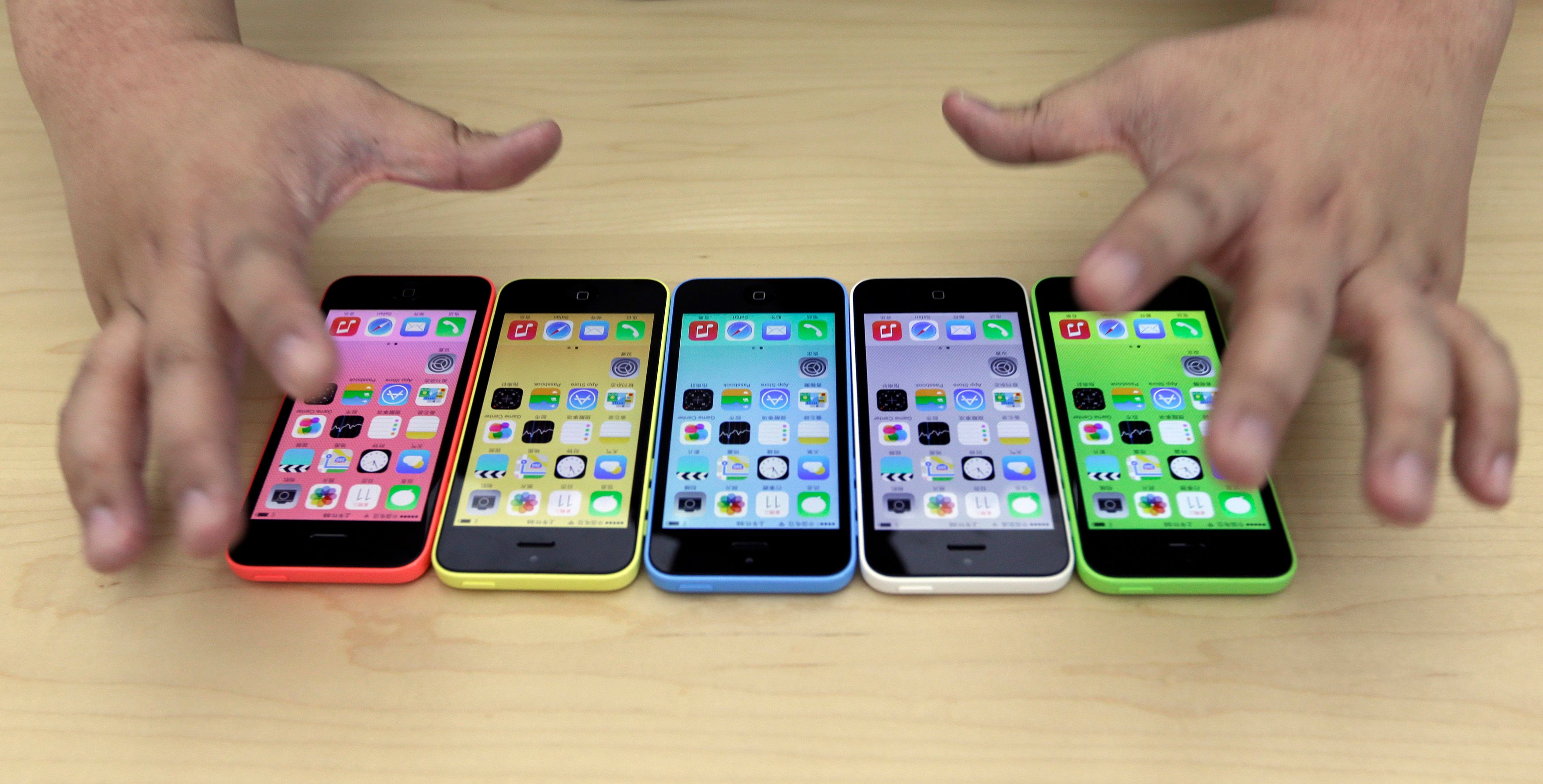 Les nouveaux iPhone 5C d'Apple.