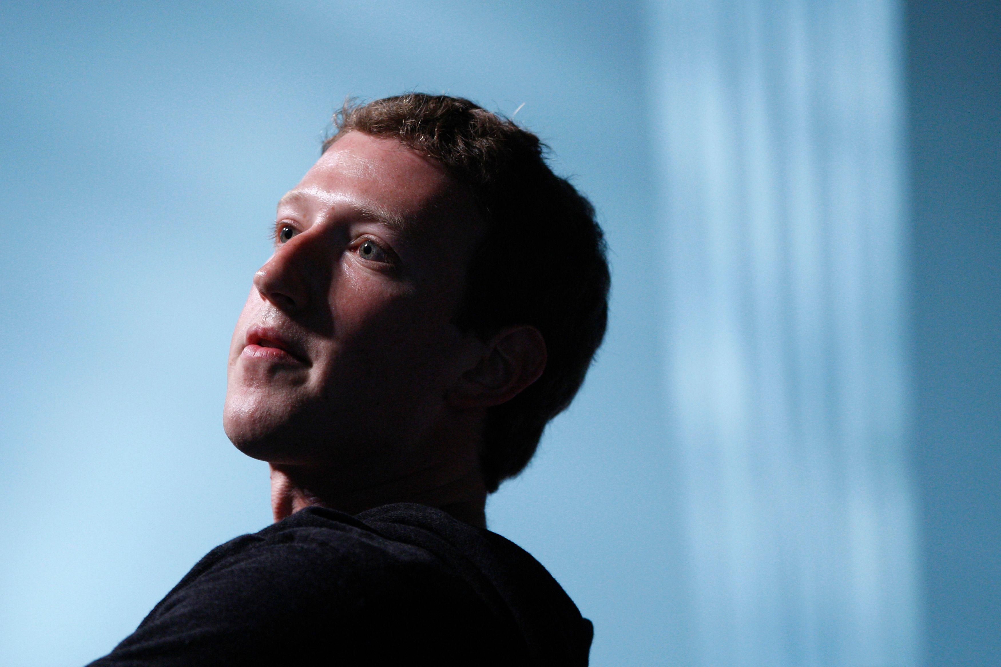 Facebook : Mark Zuckerberg s'offre WhatsApp pour 19 milliards de dollars