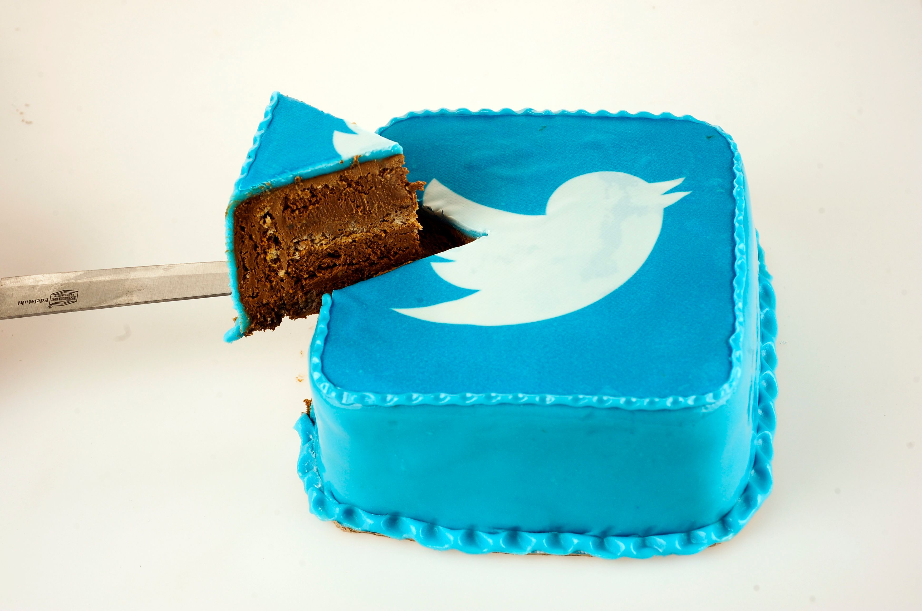 Même le directeur financier de Twitter se prend les pieds dans le tapis…