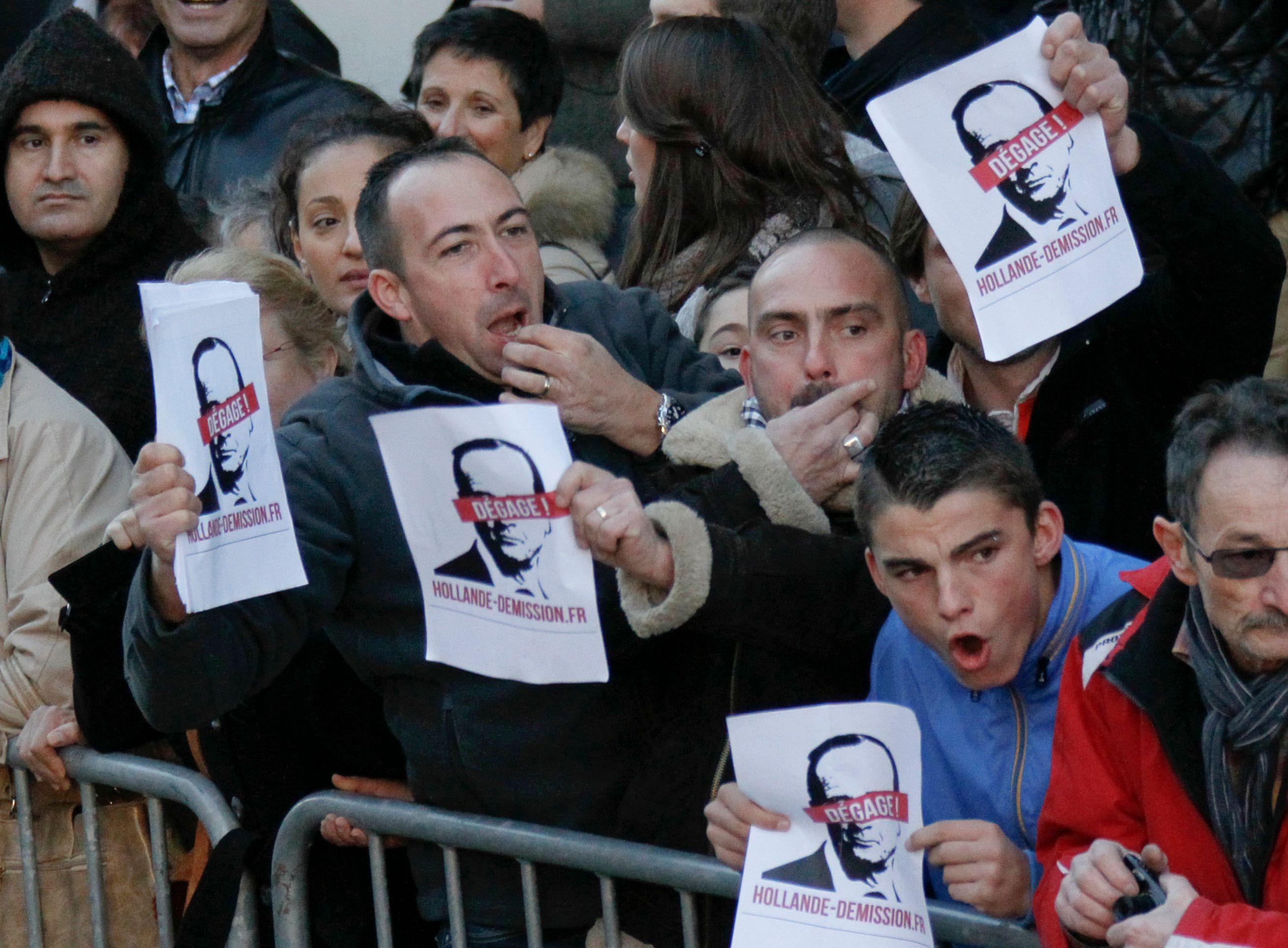 Les sifflets contre François Hollande ont été trafiqués