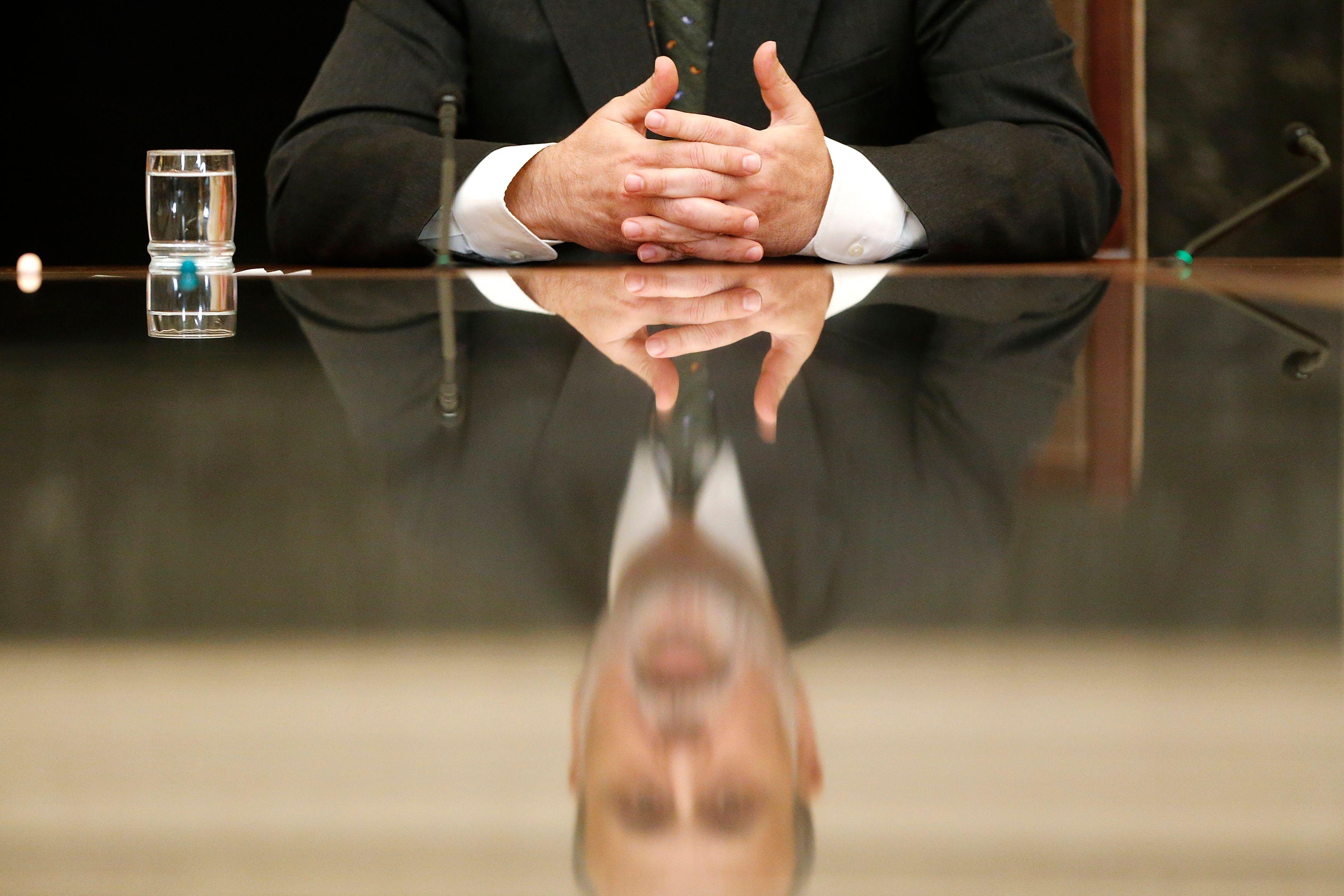Les tabous ont la vie dure : l'entreprise française reste un lieu où on ne parle ni salaire, ni politique, ni religion et très peu de sa vie privée