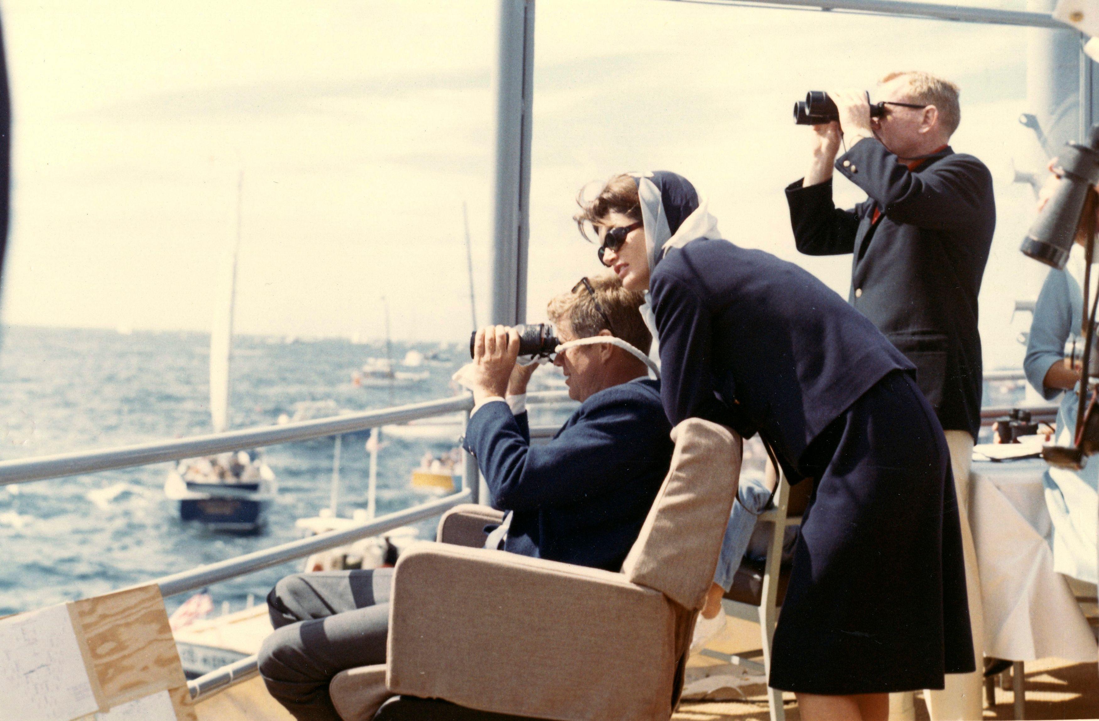 Jackie Kennedy et son mari.