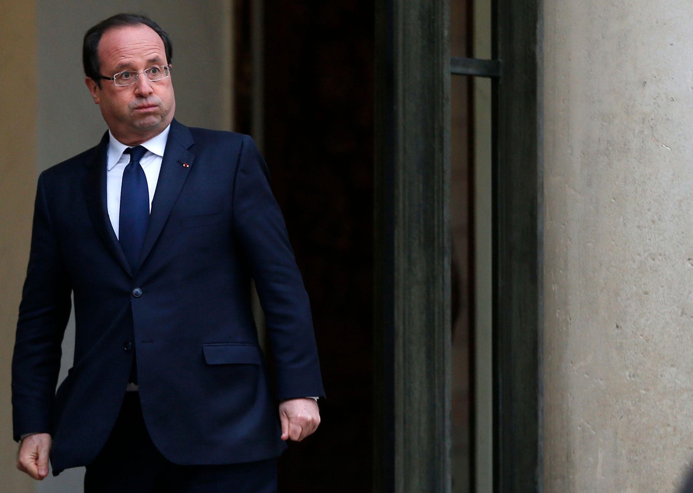 François Hollande souffle