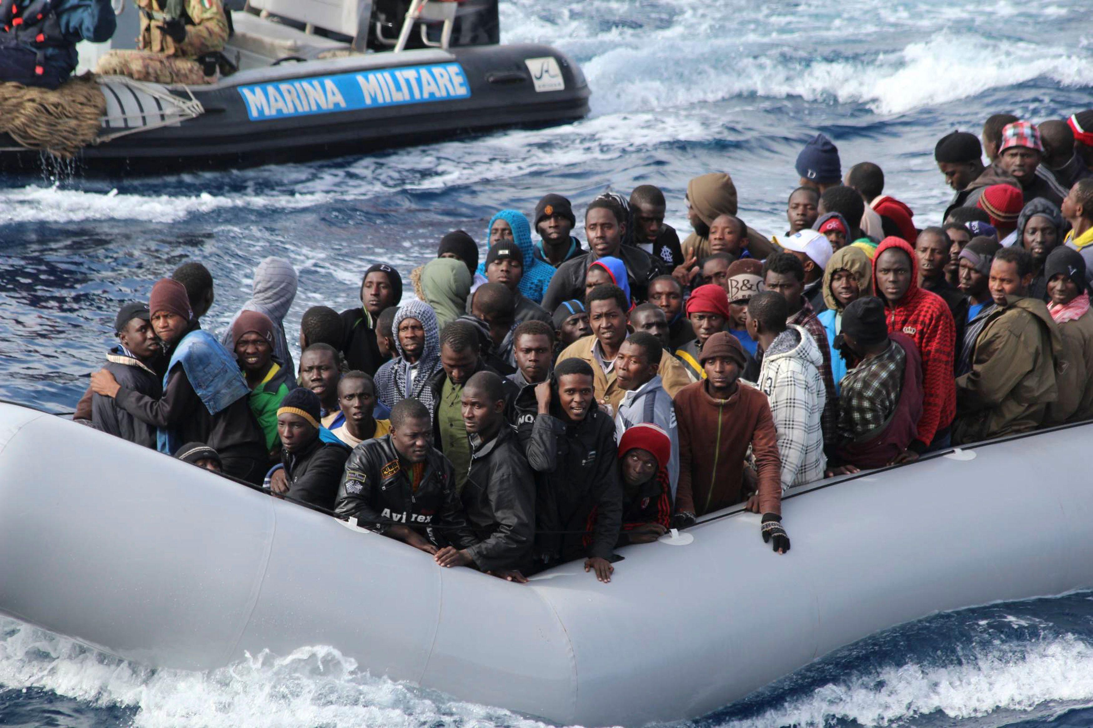 Les garde-côtes italiens font face à un afflux massif de migrants depuis quelques jours.