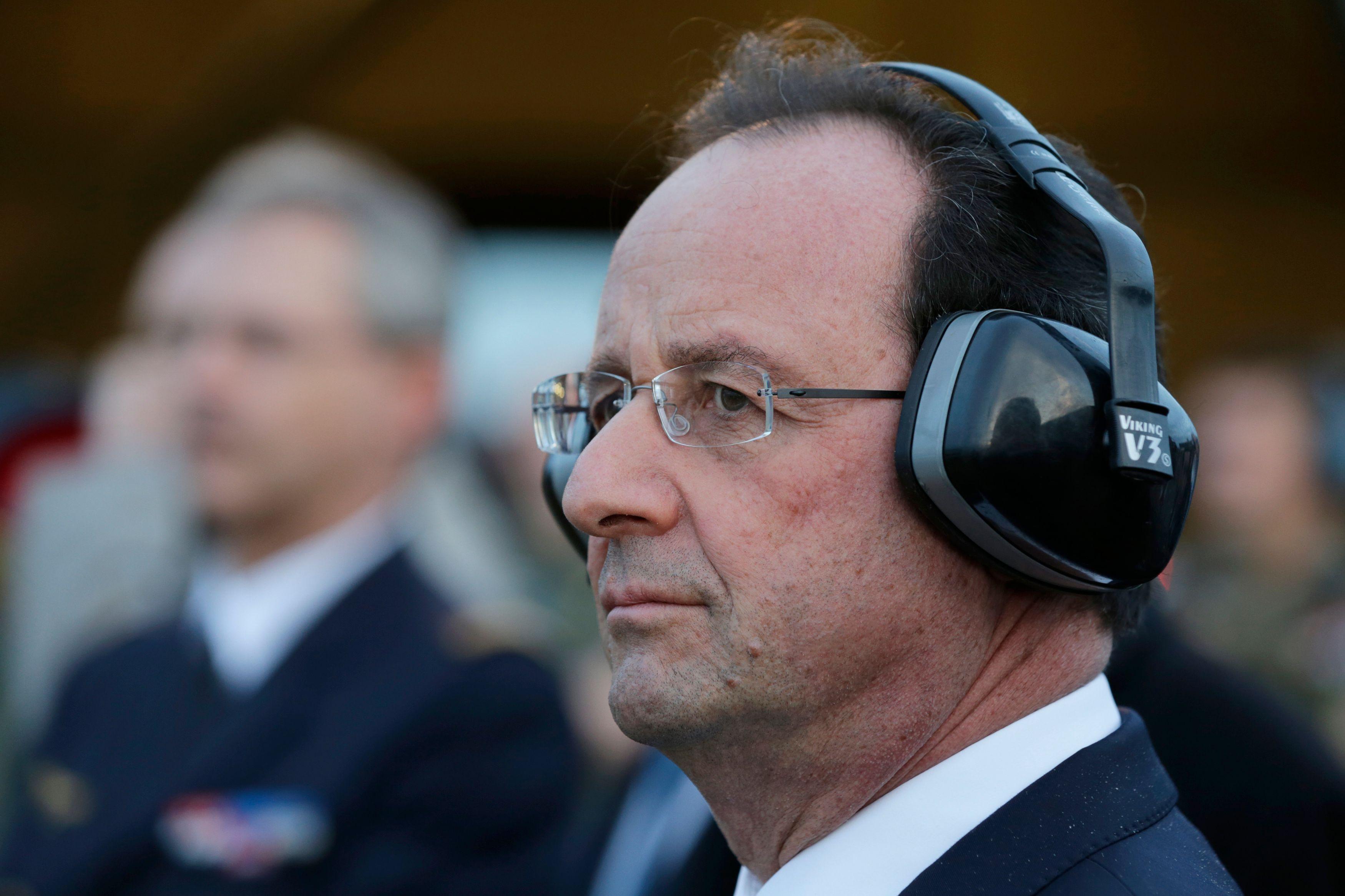 Hollande contre la fonction : le président acceptera-t-il un jour de ne plus sacrifier la com' présidentielle à ses désirs de normalité ?