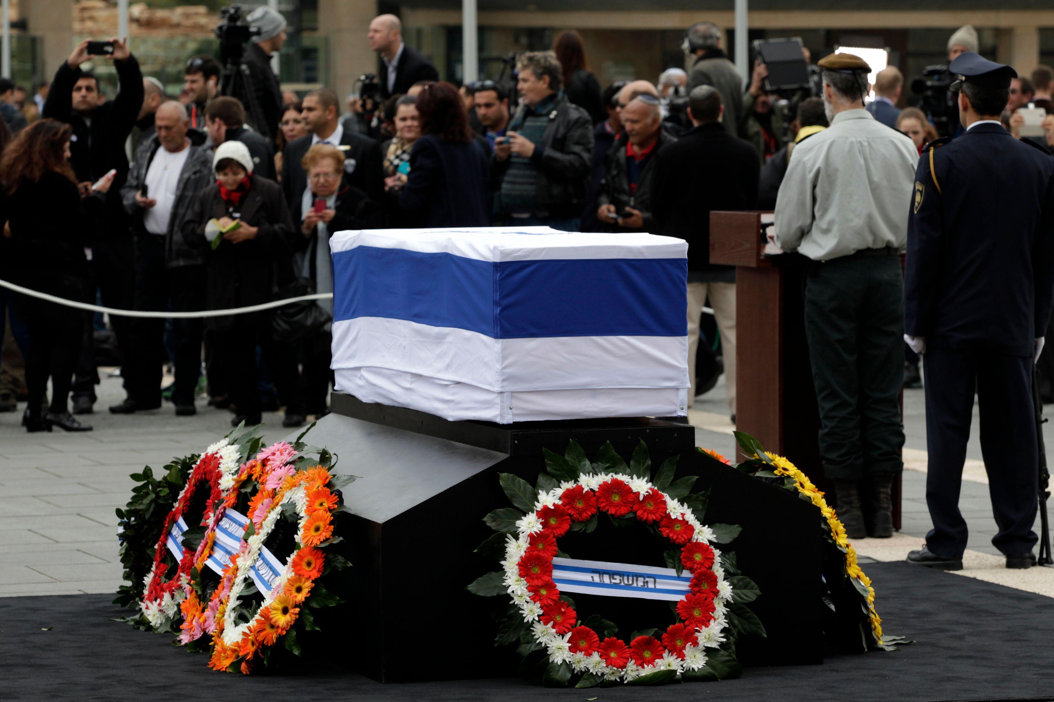 Ce dimanche, les Israéliens se recueillent devant la tombe d'Ariel Sharon