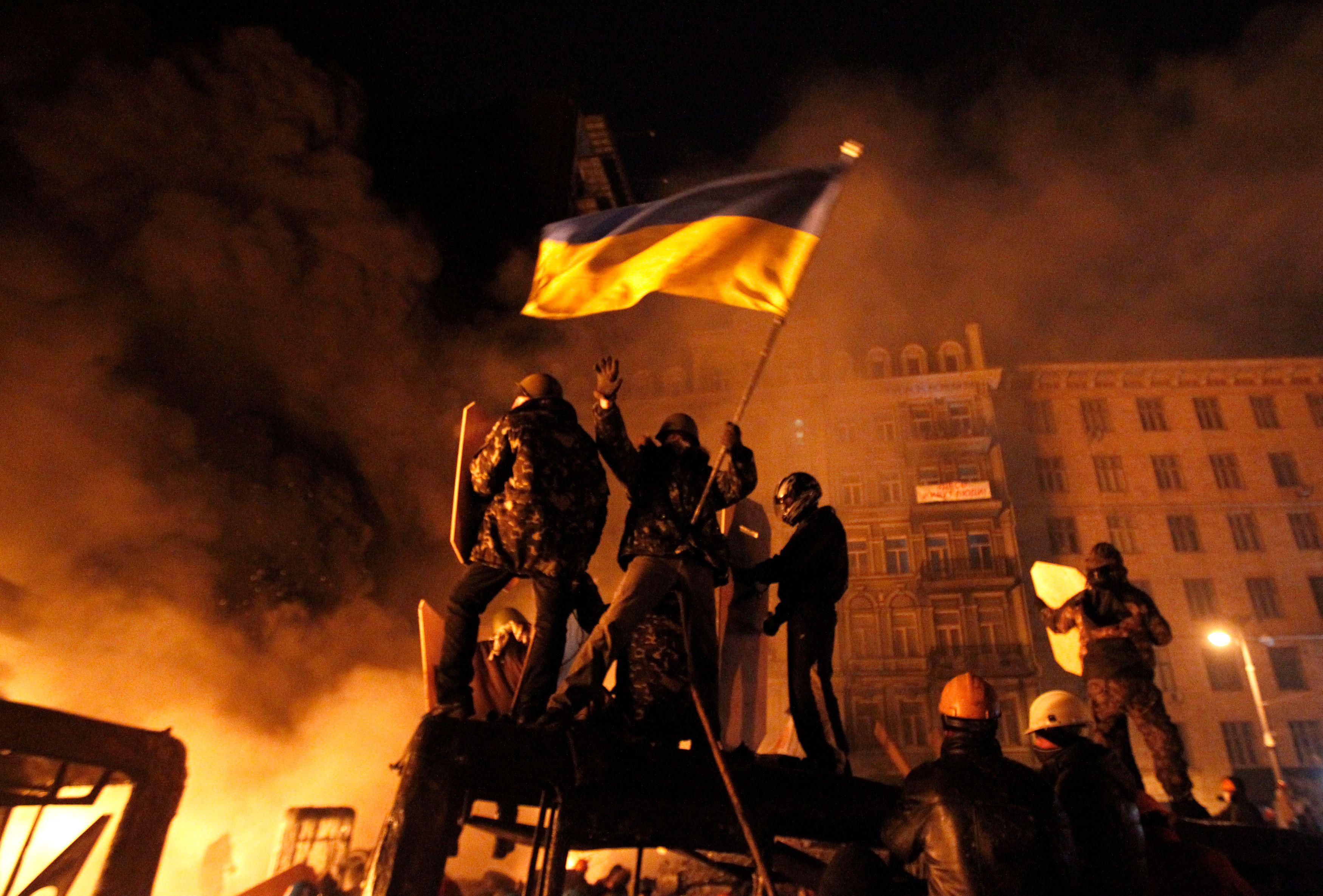 Ukraine : un nouveau décès, le gouvernement accuse les manifestants de stocker des armes