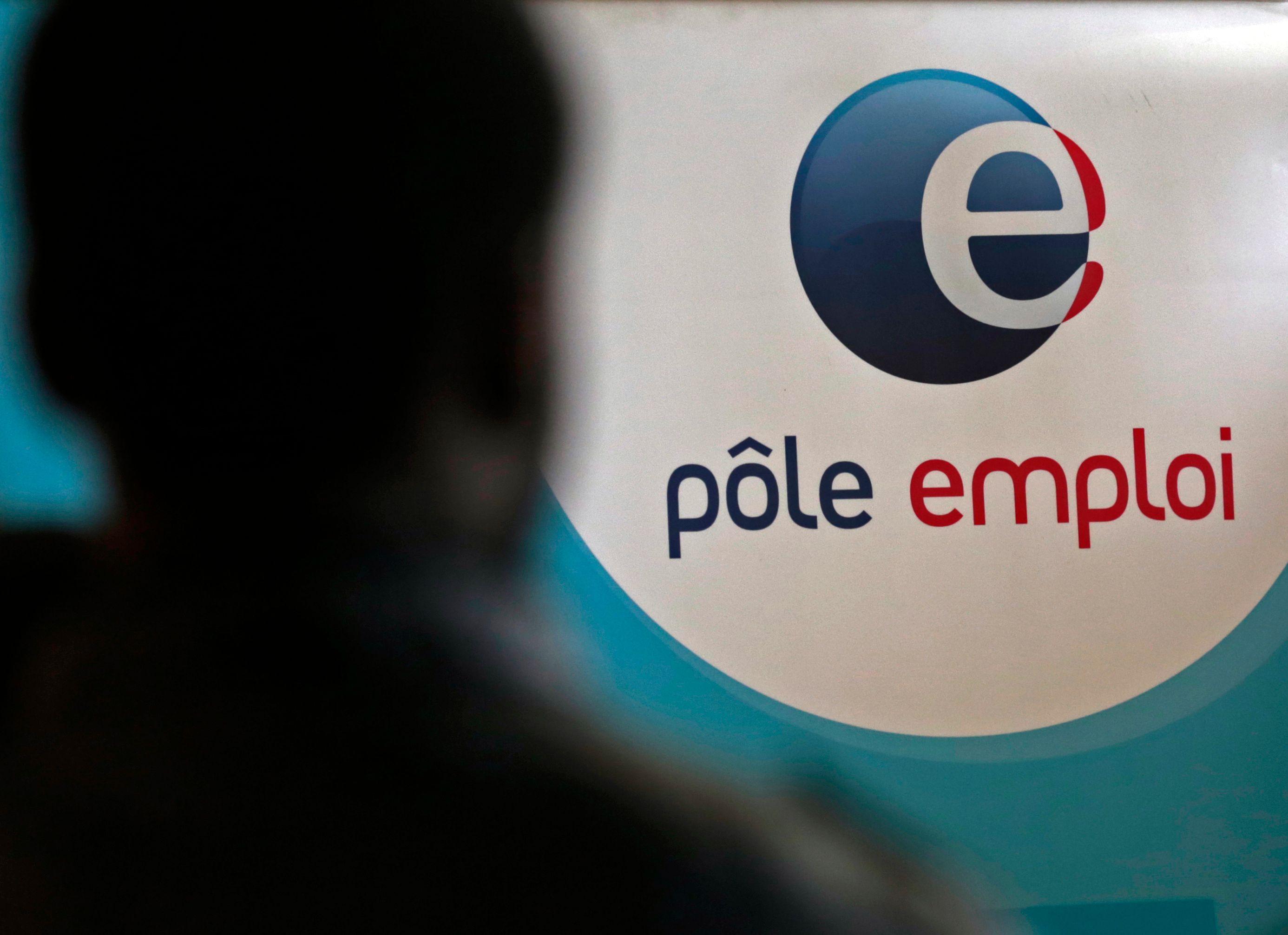 En 2012, l'emploi total en France atteint 26.3 millions.