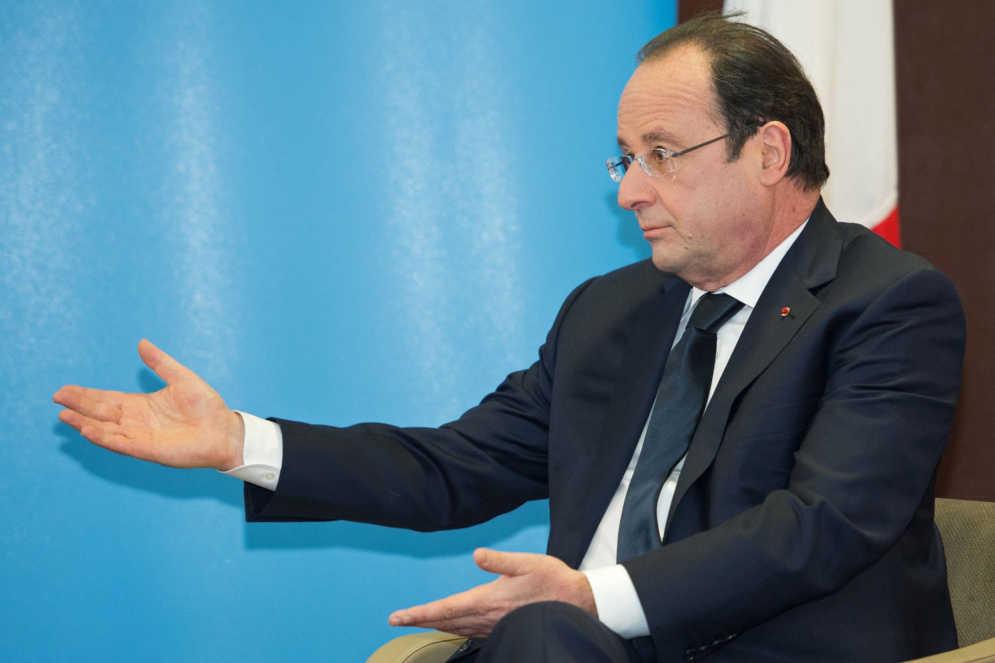 Révélations : les dessous du ménage à trois  Hollande-Hartz-Merkel