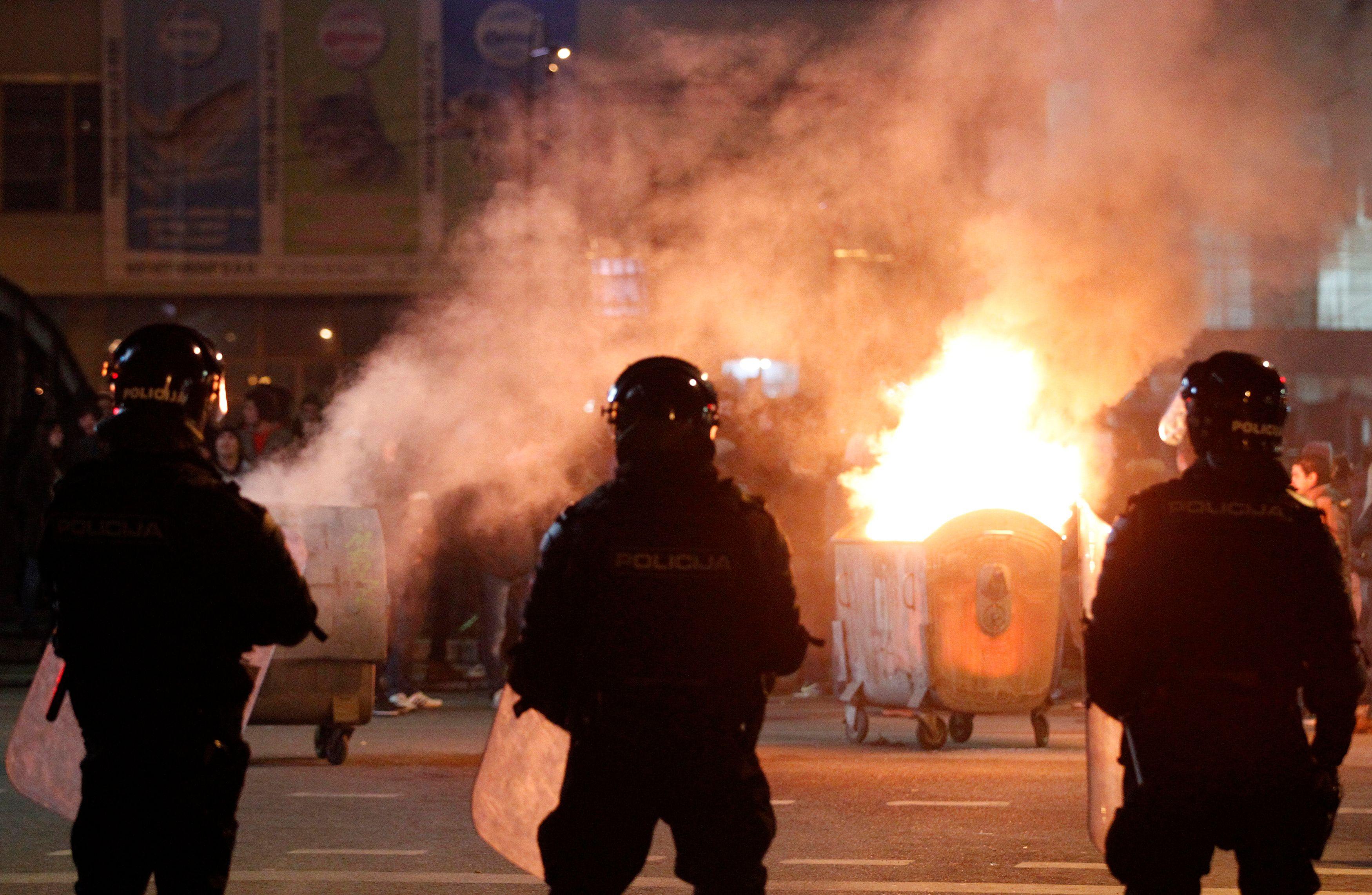 Les manifestations dégénèrent en Bosnie
