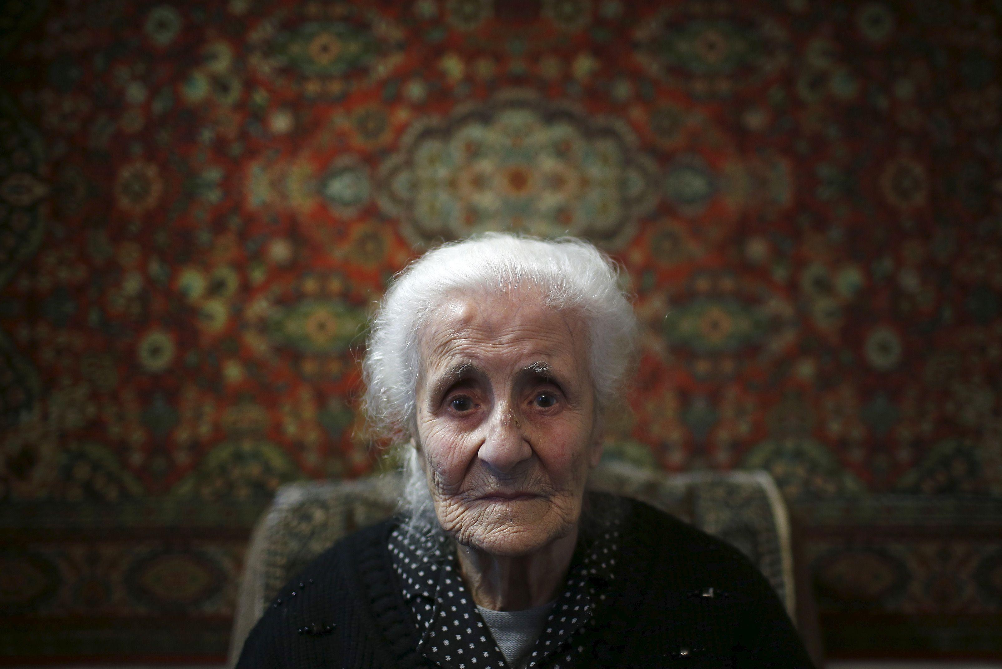 Fête des grands-mères : quel impact sur les autres générations quand votre mamie gâteau se prend pour une jeunette (ou pour Madonna...) ?