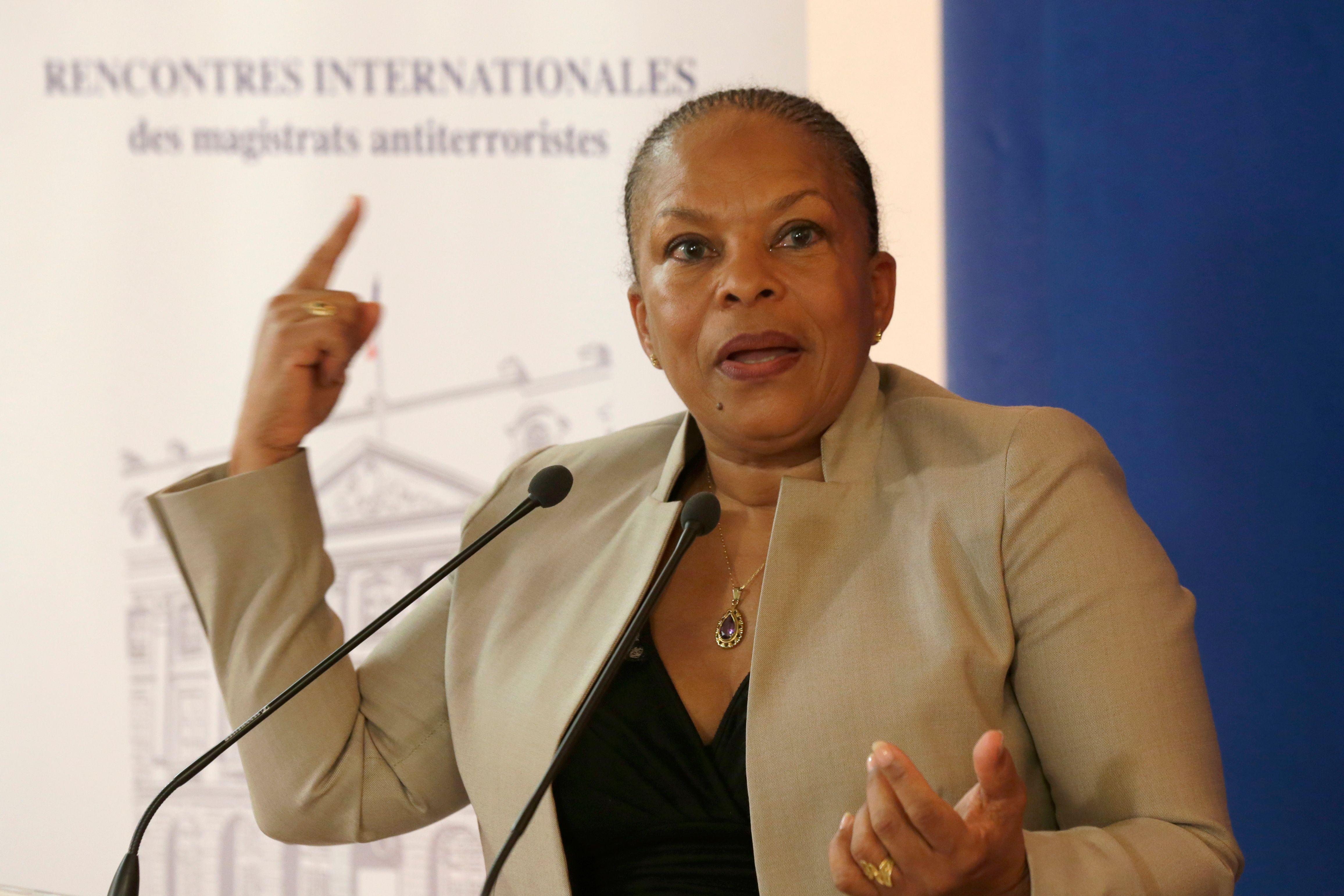"""""""On n'imagine pas qu'un grand pays comme la France se mette à fabriquer des apatrides, ce n'est pas concevable"""", estime Christiane Taubira."""