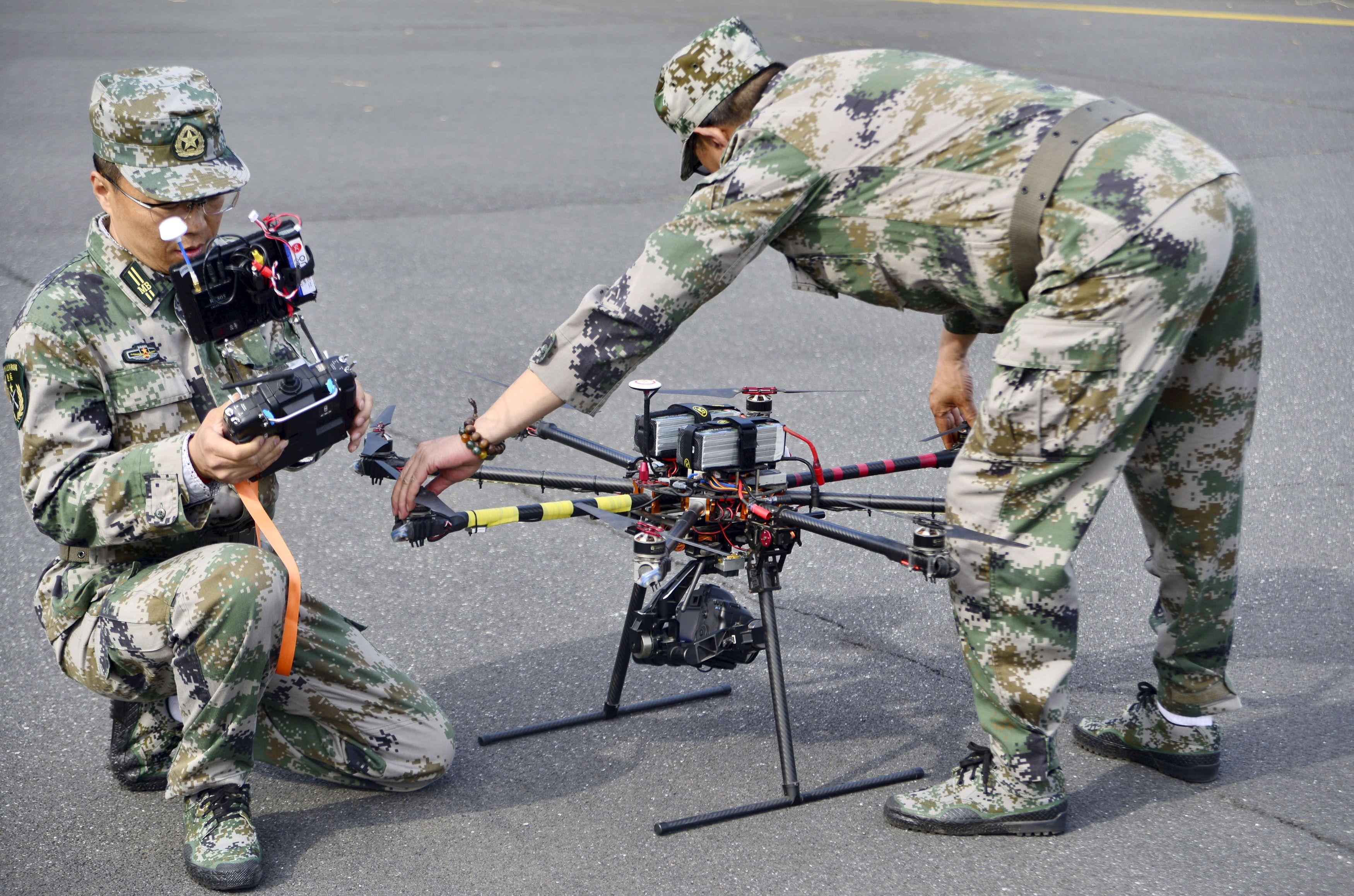 Terrorisme : l'Etat islamique pourrait préparer une attaque sur un stade à l'aide de drones