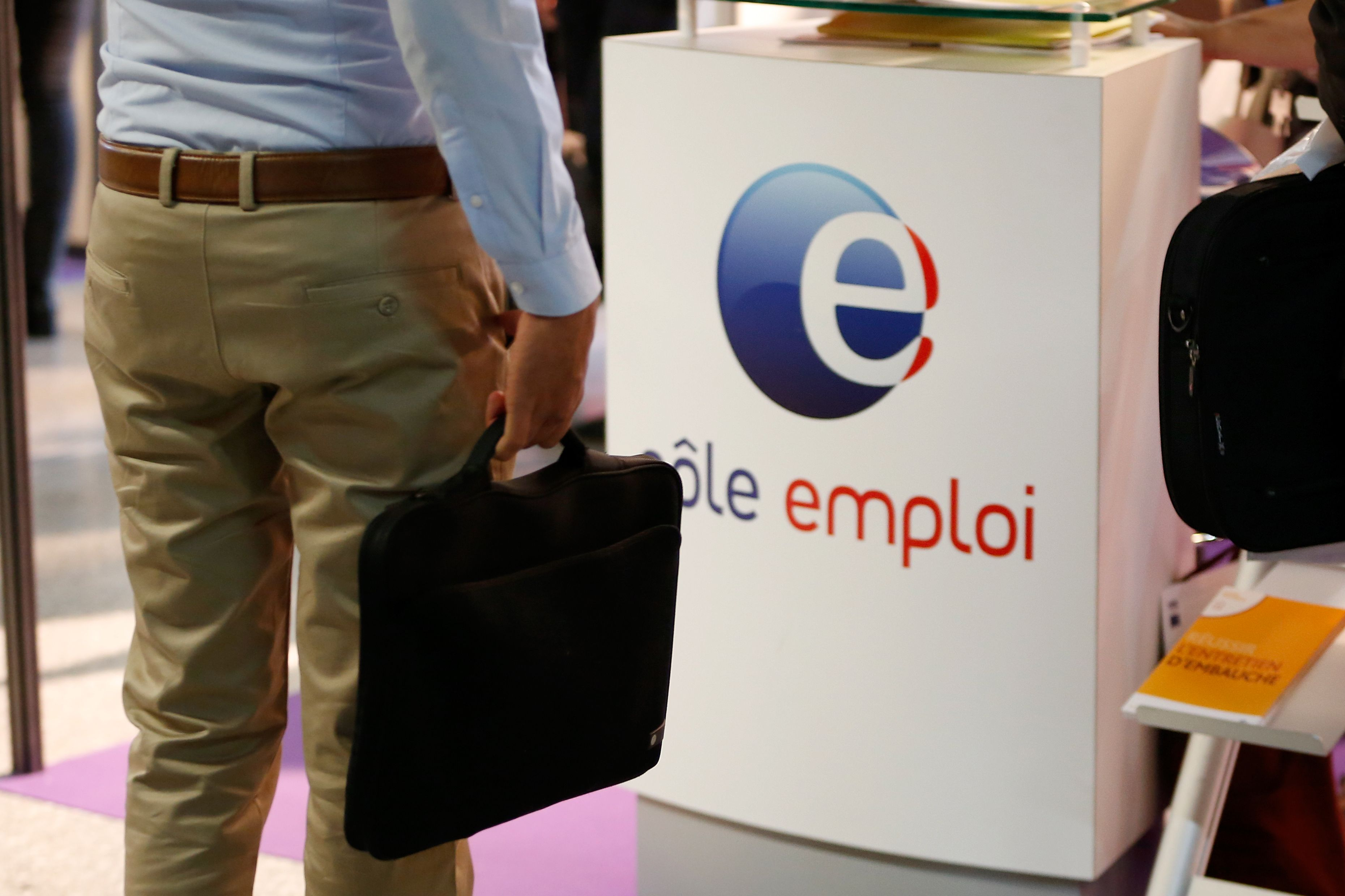 Hausse vertigineuse du chômage, disparition totale du travail... ou grandes opportunités ? Pourquoi la révolution numérique nous questionne sur la notion de travail elle-même
