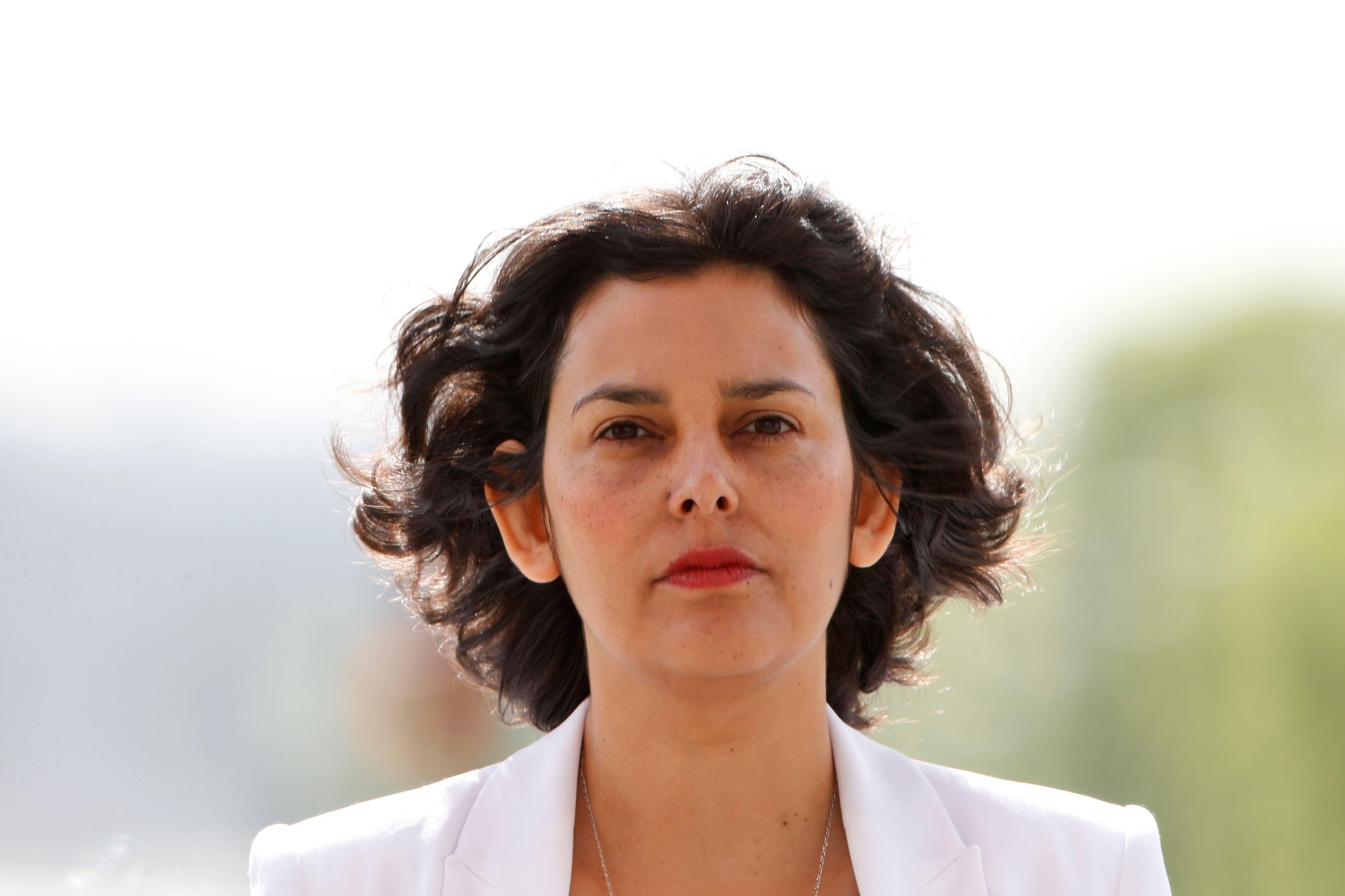 Myriam El Khomri remplace, à la surprise générale, François Rebsamen, maire de Dijon.