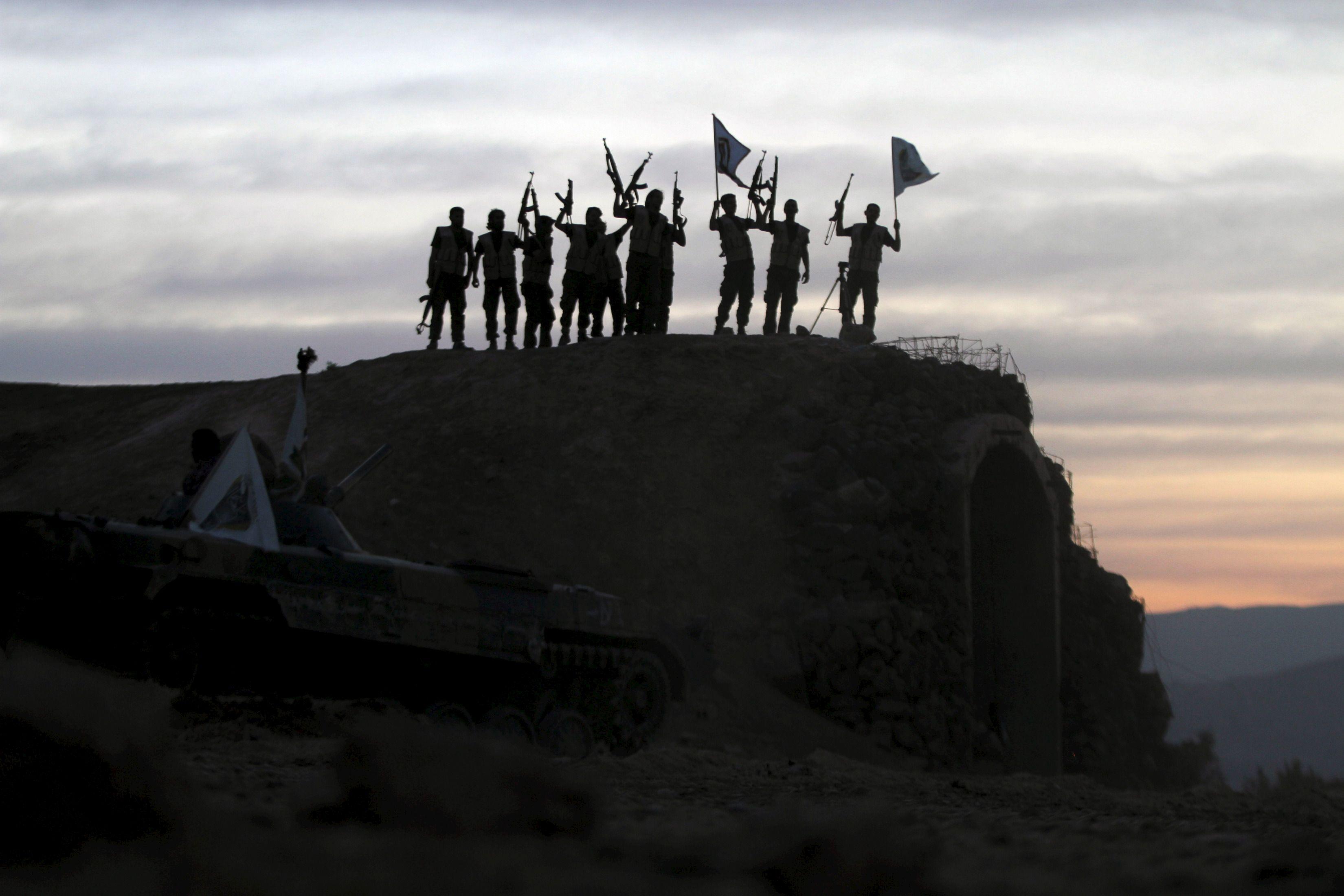 L'épreuve de vérité ? L'Etat islamique face aux risques de désertion des djihadistes dont il vient de diviser la solde par deux