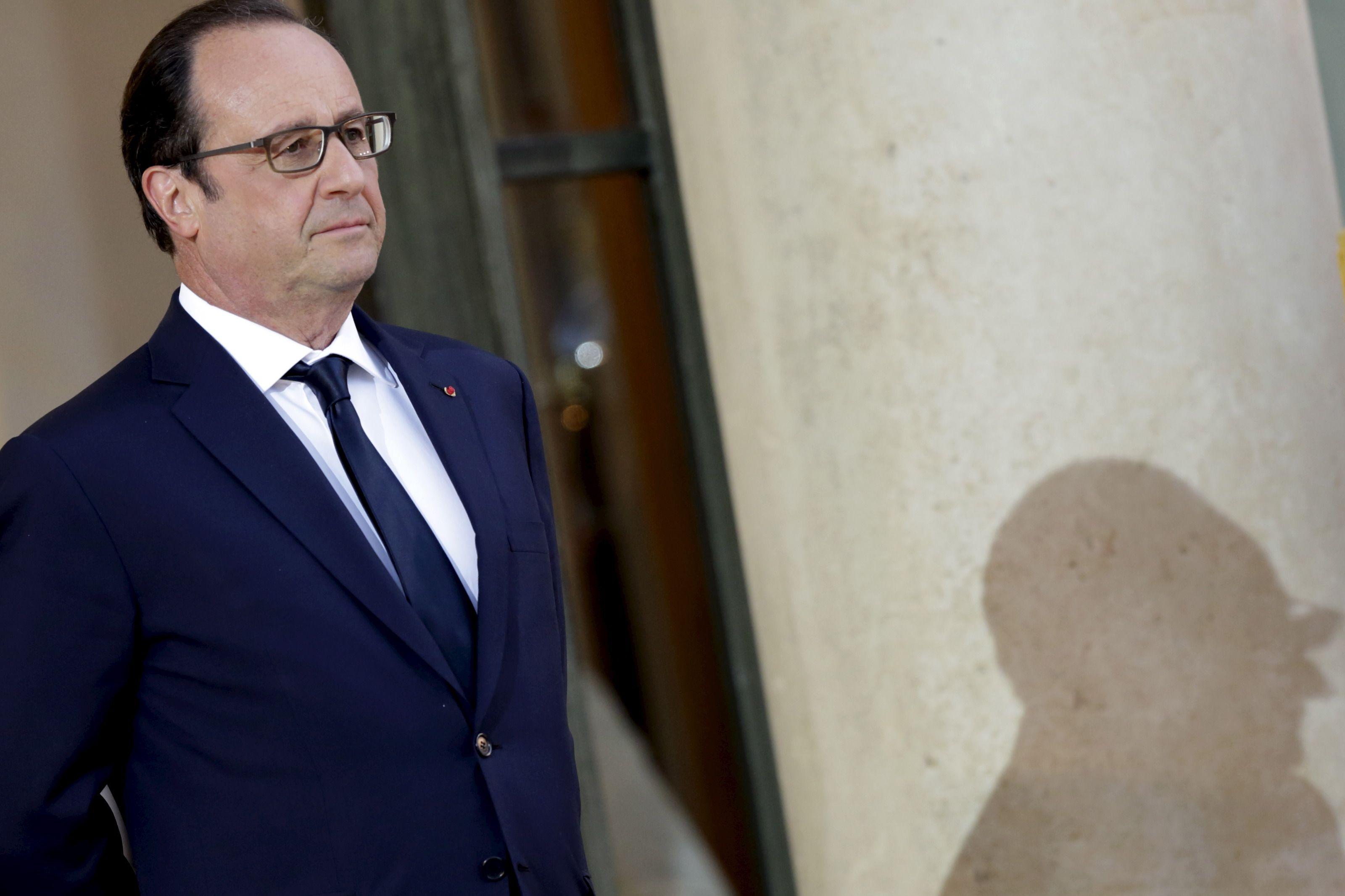 """Migrants : François Hollande dénonce les """"manipulateurs et les falsificateurs"""" qui """"prétendent que la France est envahie"""""""