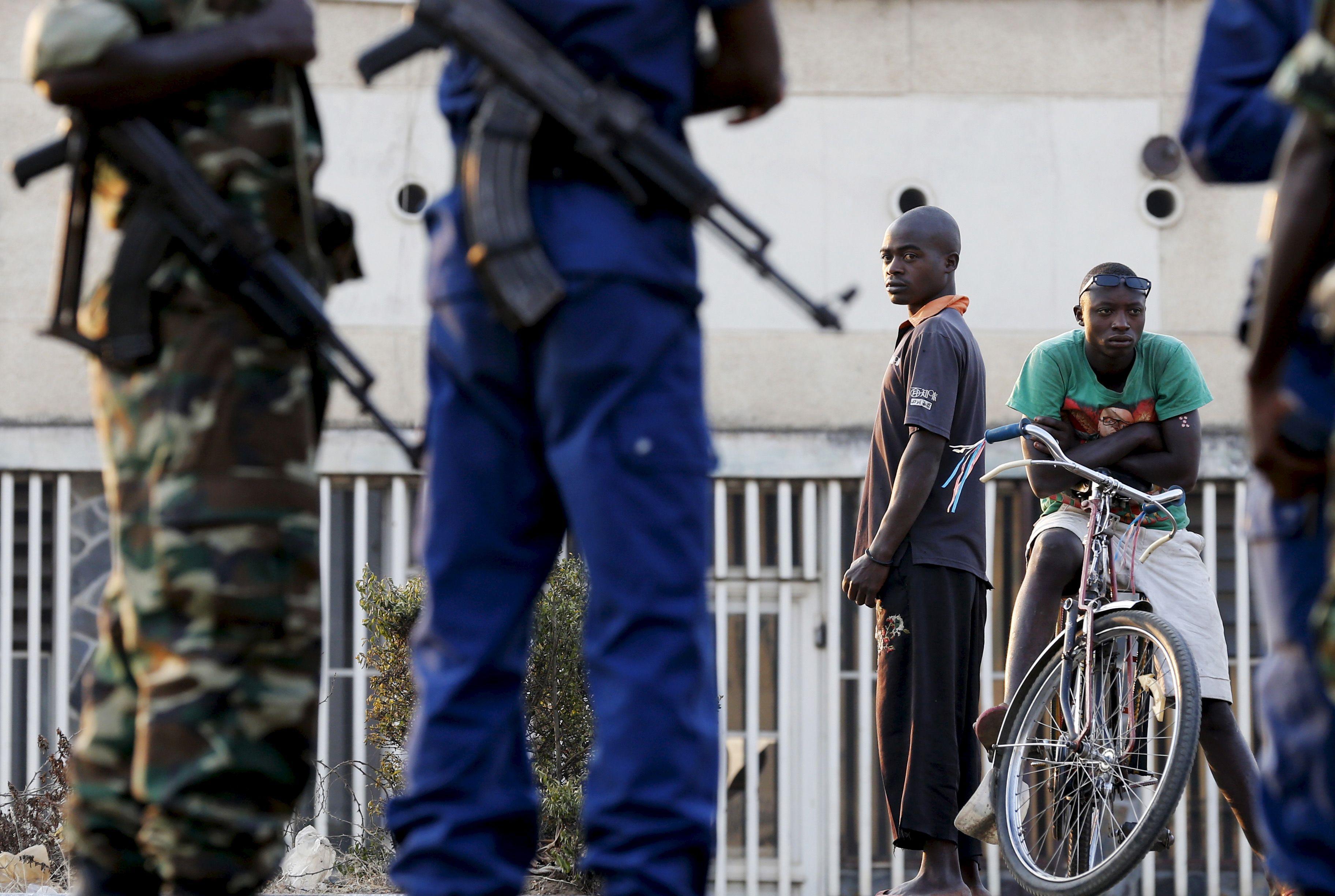 Tueries au Burundi: faut-il craindre le scénario d'un génocide à la rwandaise?