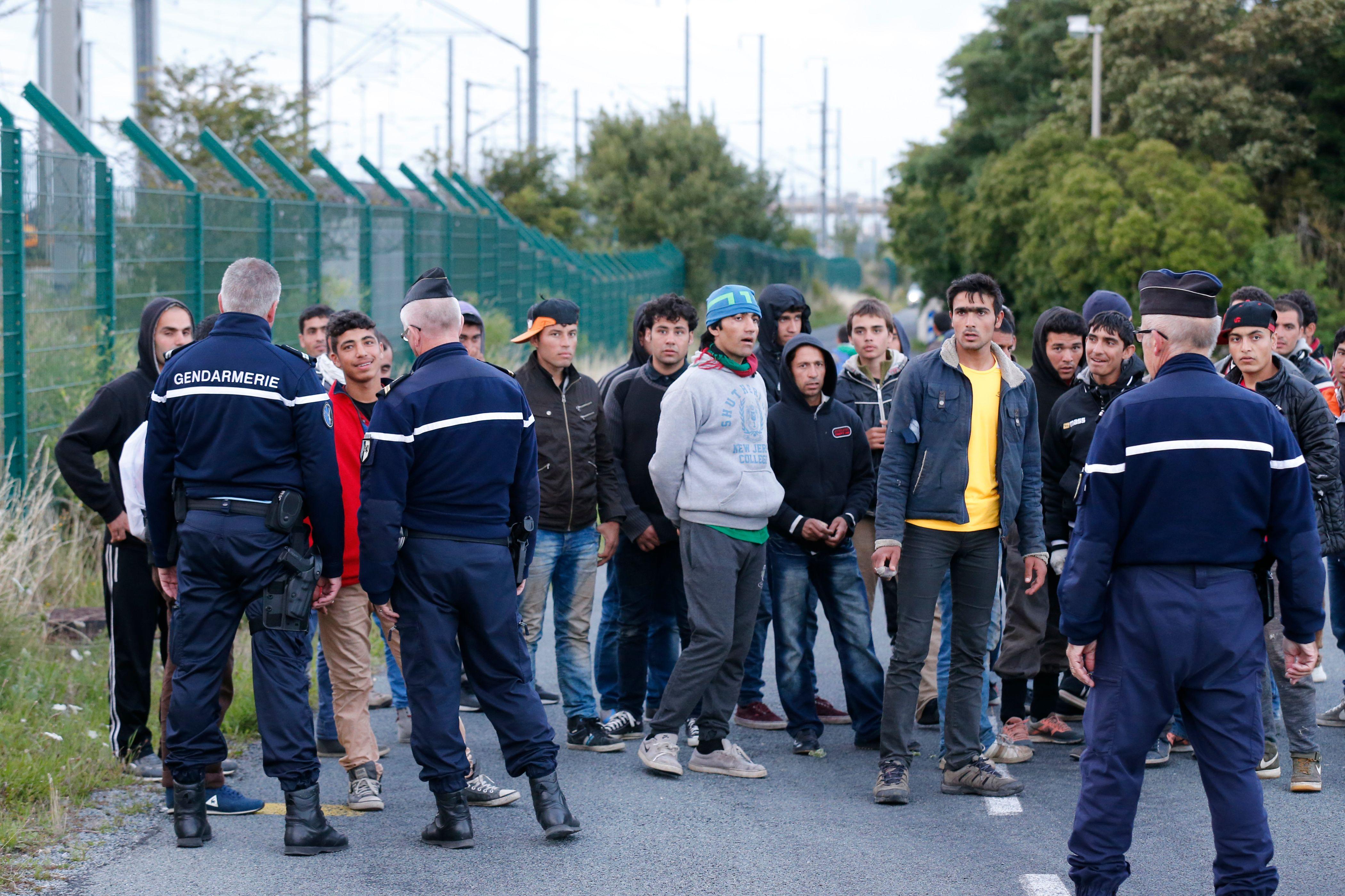 """Situation des migrants à Calais : l'ONU demande à la France de présenter un plan d'urgence """"durable"""""""