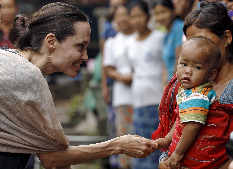 Angelina Jolie est en Birmanie