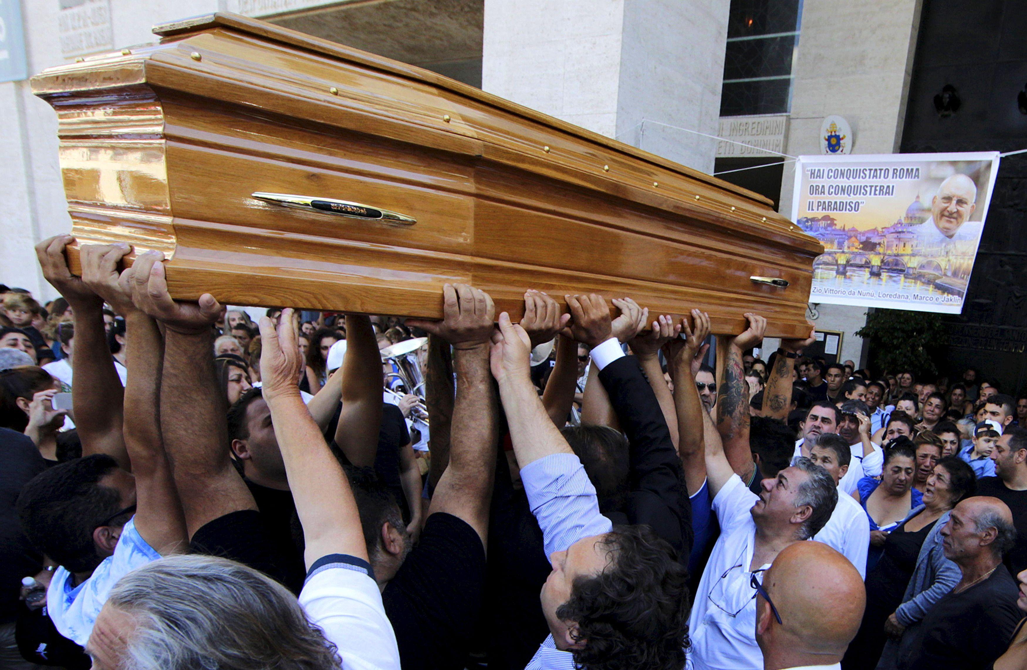 Les funérailles en l'honneur de Vittorio Casamonica.