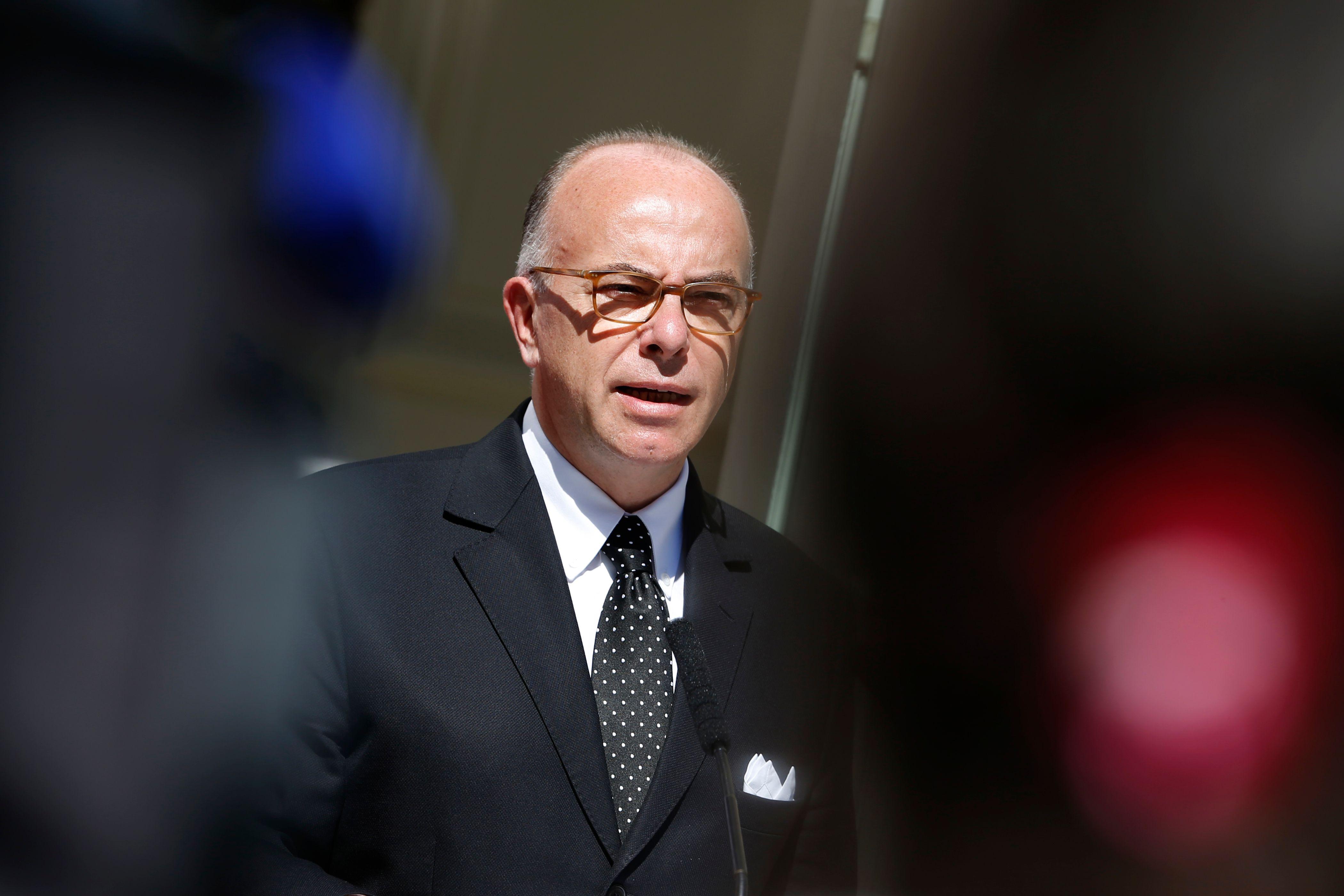 """""""Cette décision est pour nous étrange, et ses motivations le sont tout autant"""", regrette Bernard Cazeneuve."""