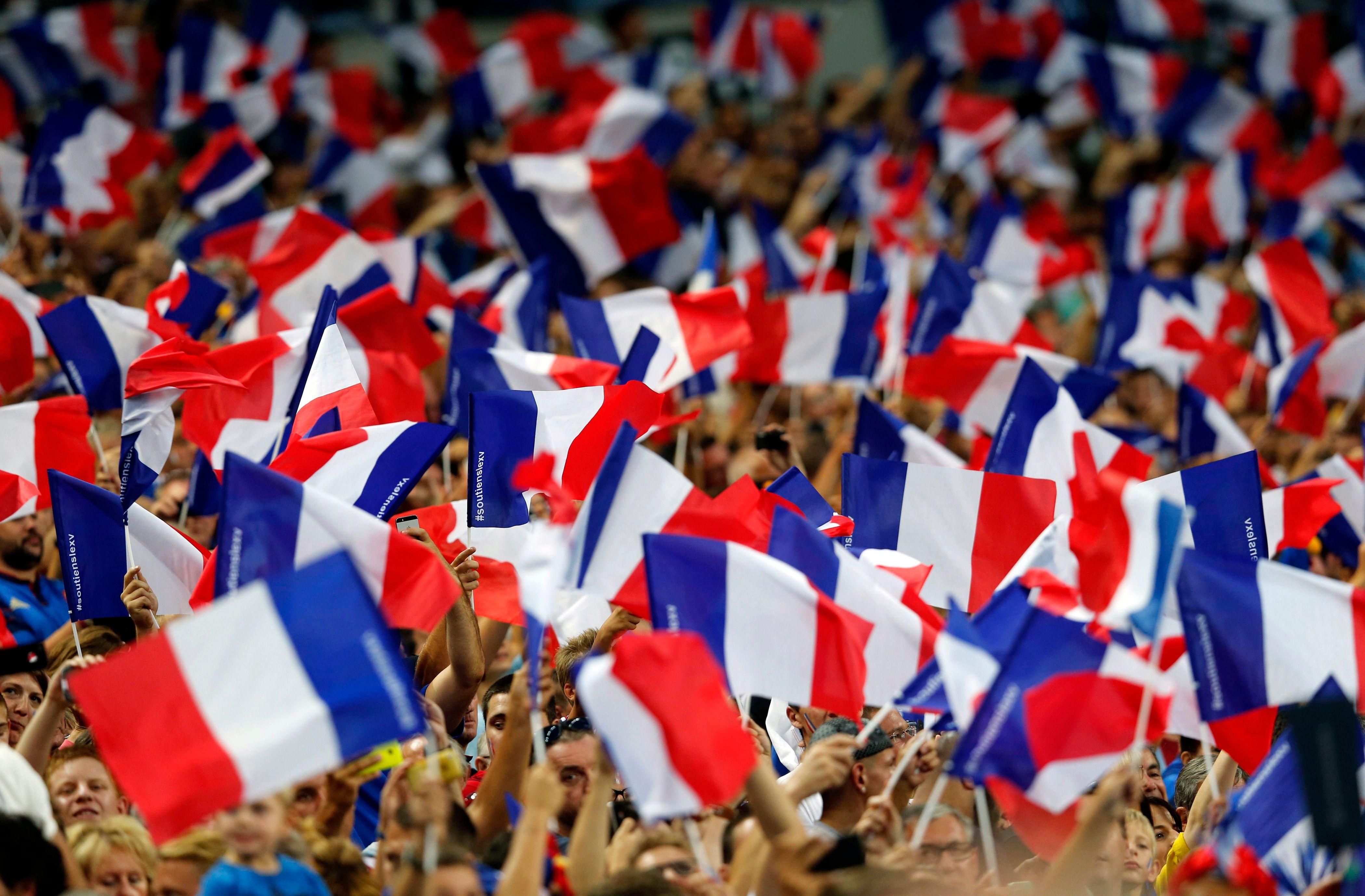Langues, marchés, mariages : qu'est-ce qui unit encore la société française d'aujourd'hui ?