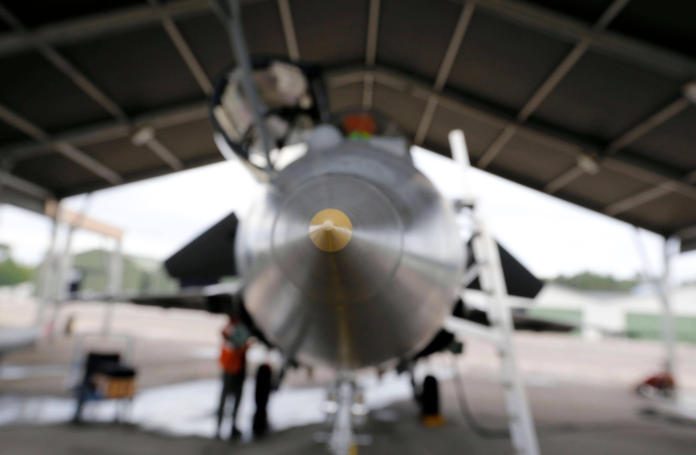Riposte militaire suite aux attaques à Paris : nouvelles frappes aériennes françaises sur le fief de l'Etat islamique à Raqqa