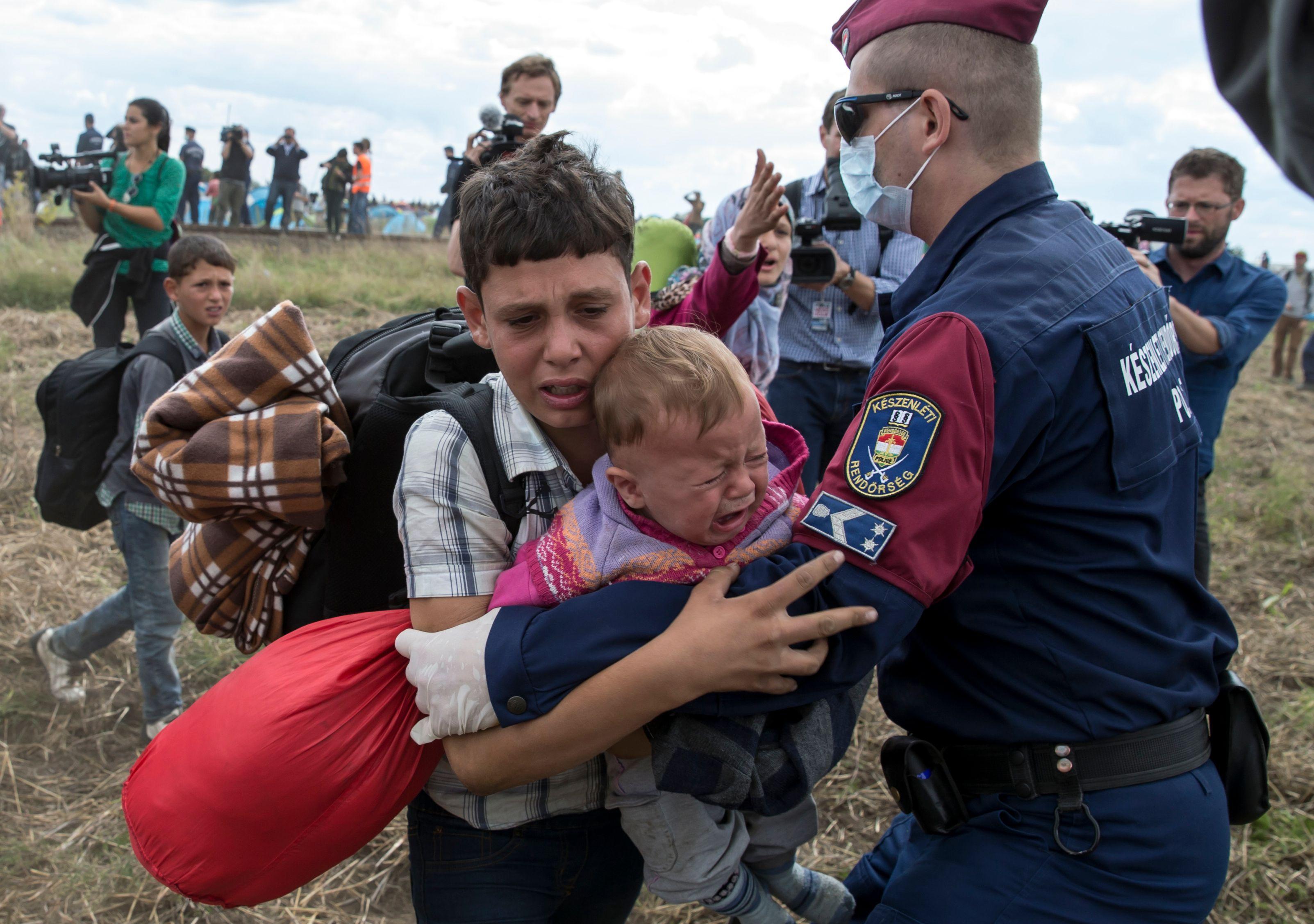 Le maire d'une commune d'Isère accepte d'accueillir des réfugiés, lui aussi, seulement s'ils sont chrétiens