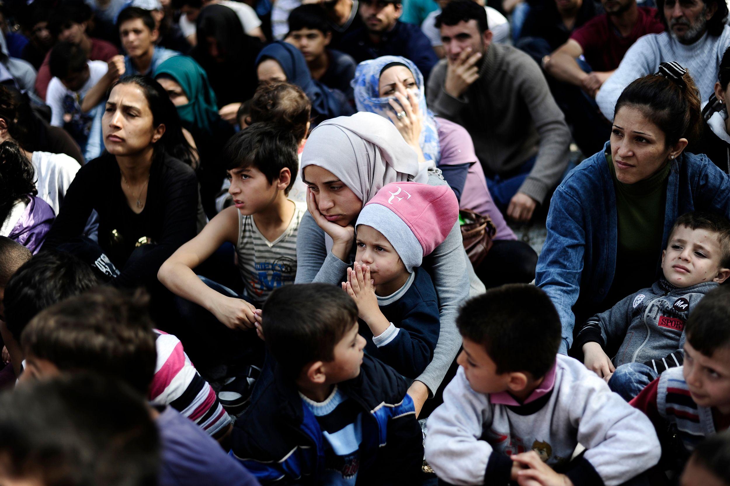 """Crise des migrants : 800 000 """"entrées illégales"""" en Europe ont été recensées depuis le début de l'année 2015"""