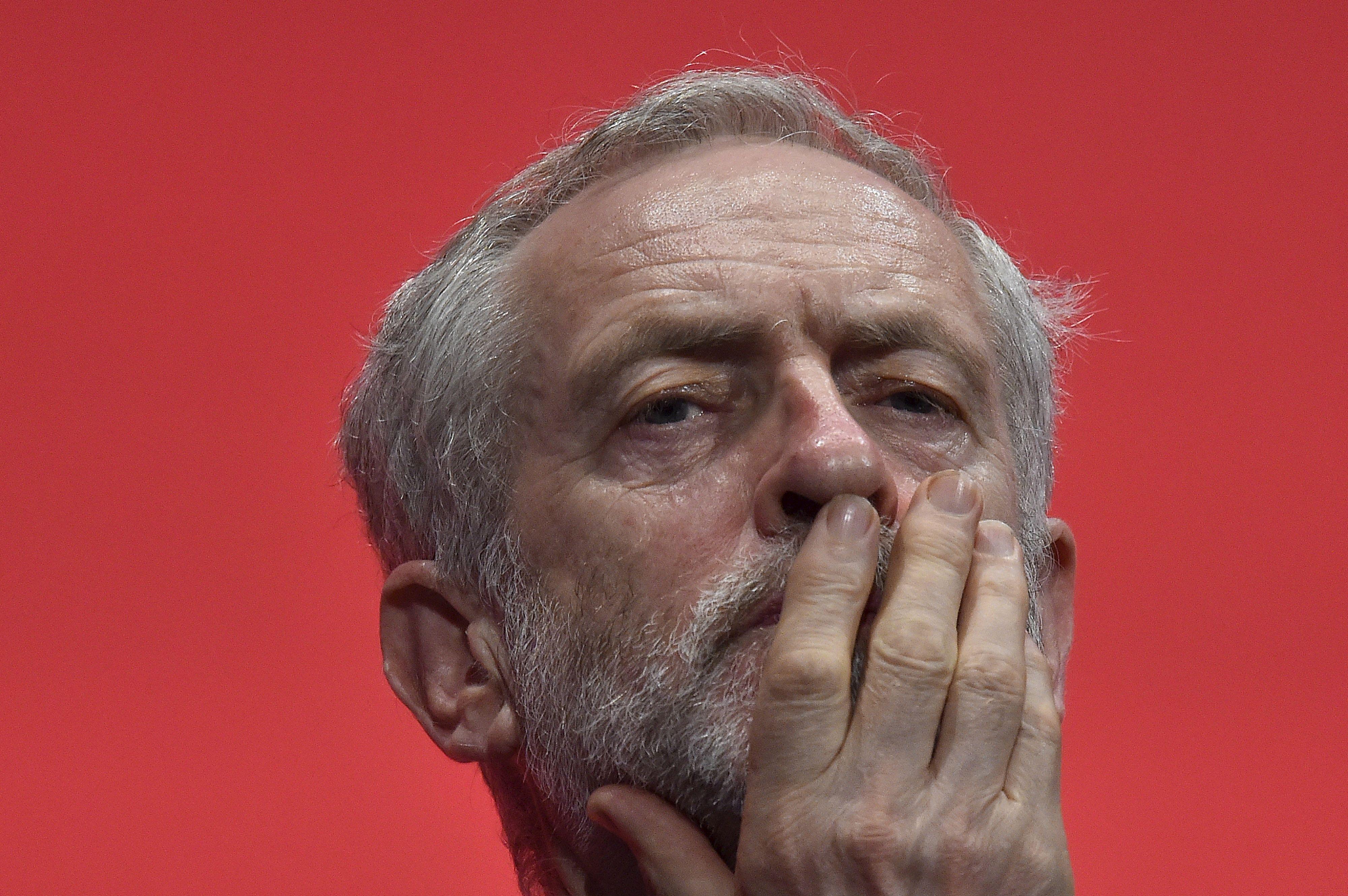 Jeremy Corbyn peine à séduire en dehors des limites de son camp.