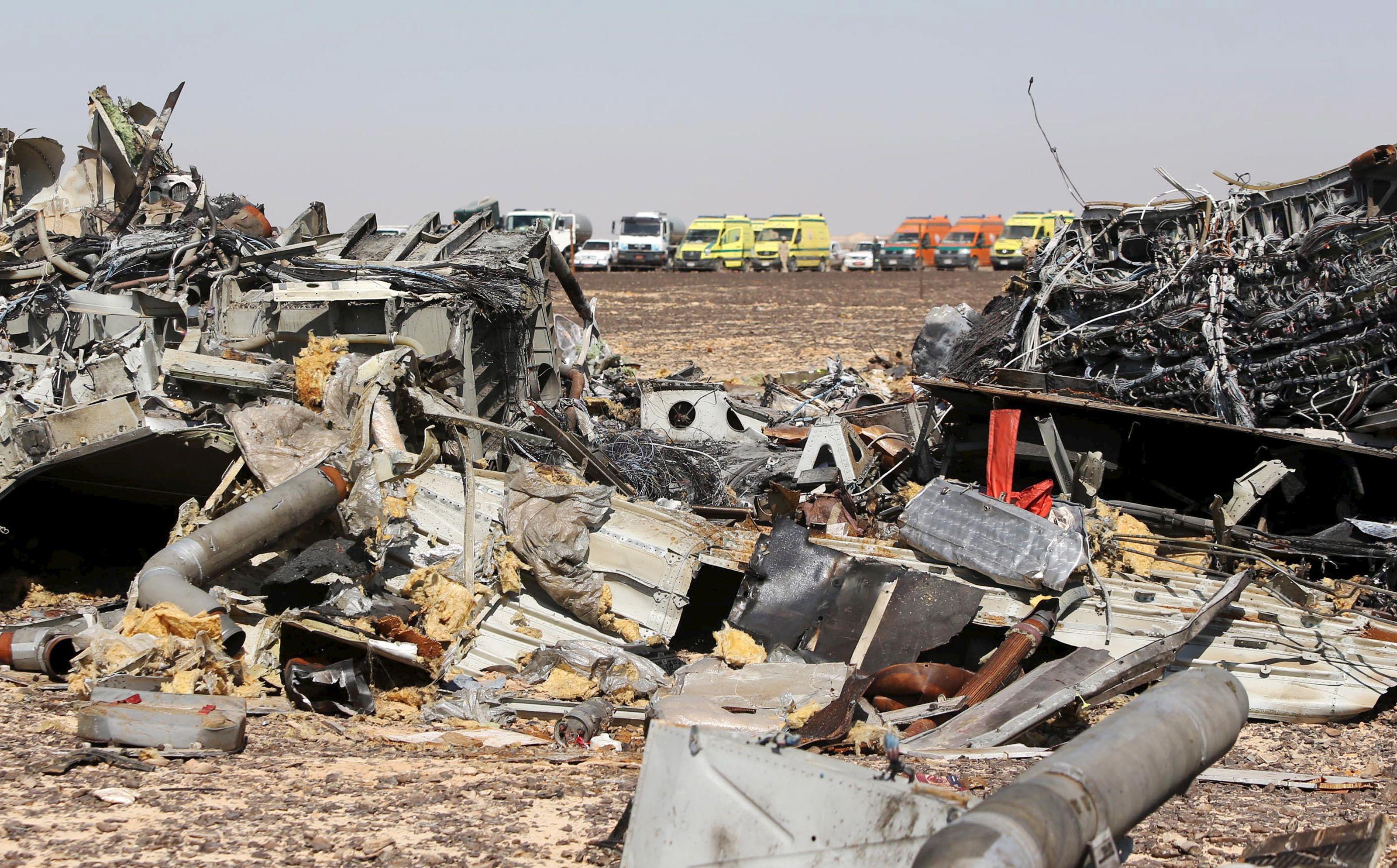 Crash dans le Sinaï: l'hypothèse d'une bombe à bord privilégiée par Obama et Cameron