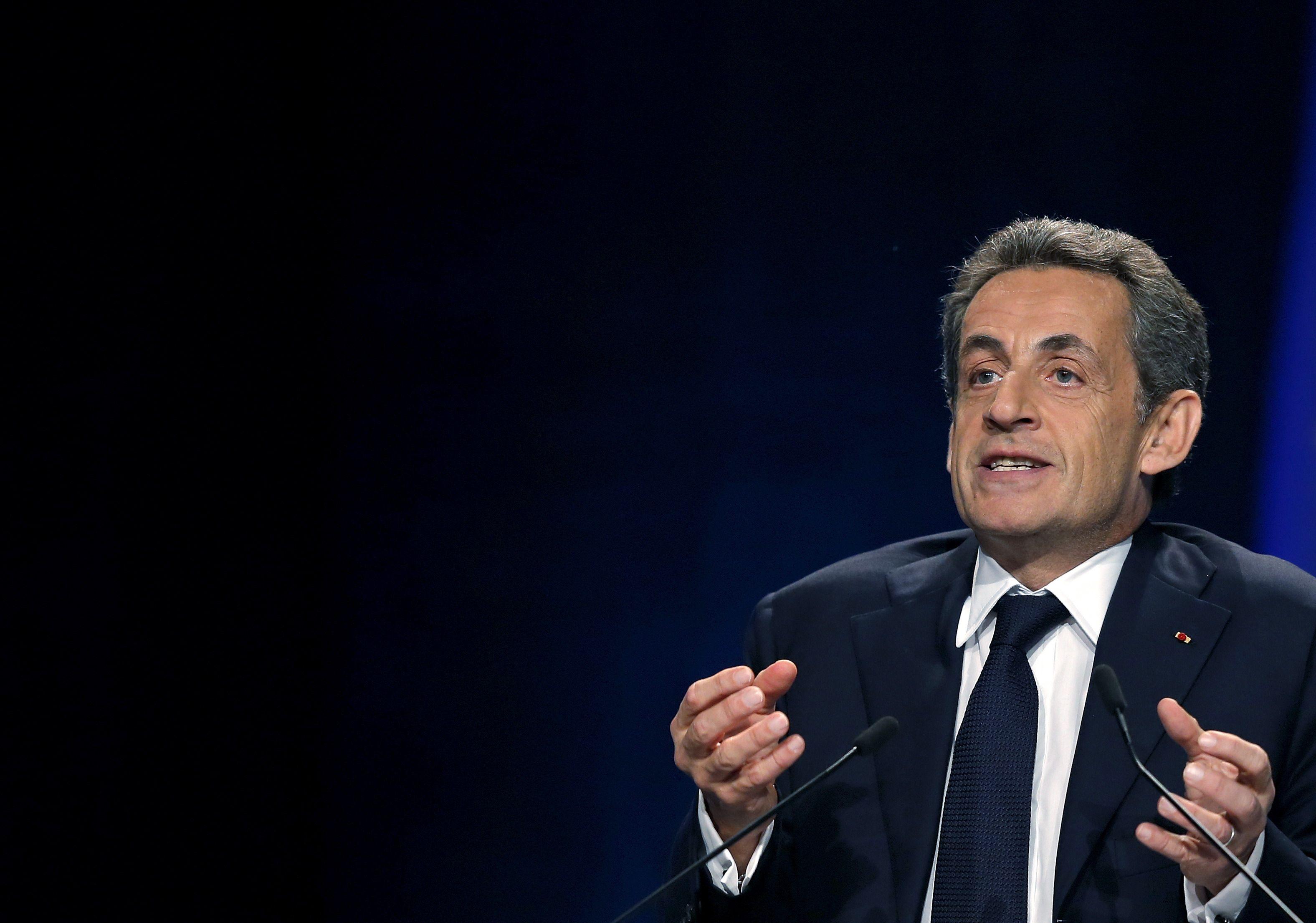 Nicolas Sarkozy est arrivé en retard et énervé au Bureau politique des Républicains. Fou de rage même, selon certains participants.