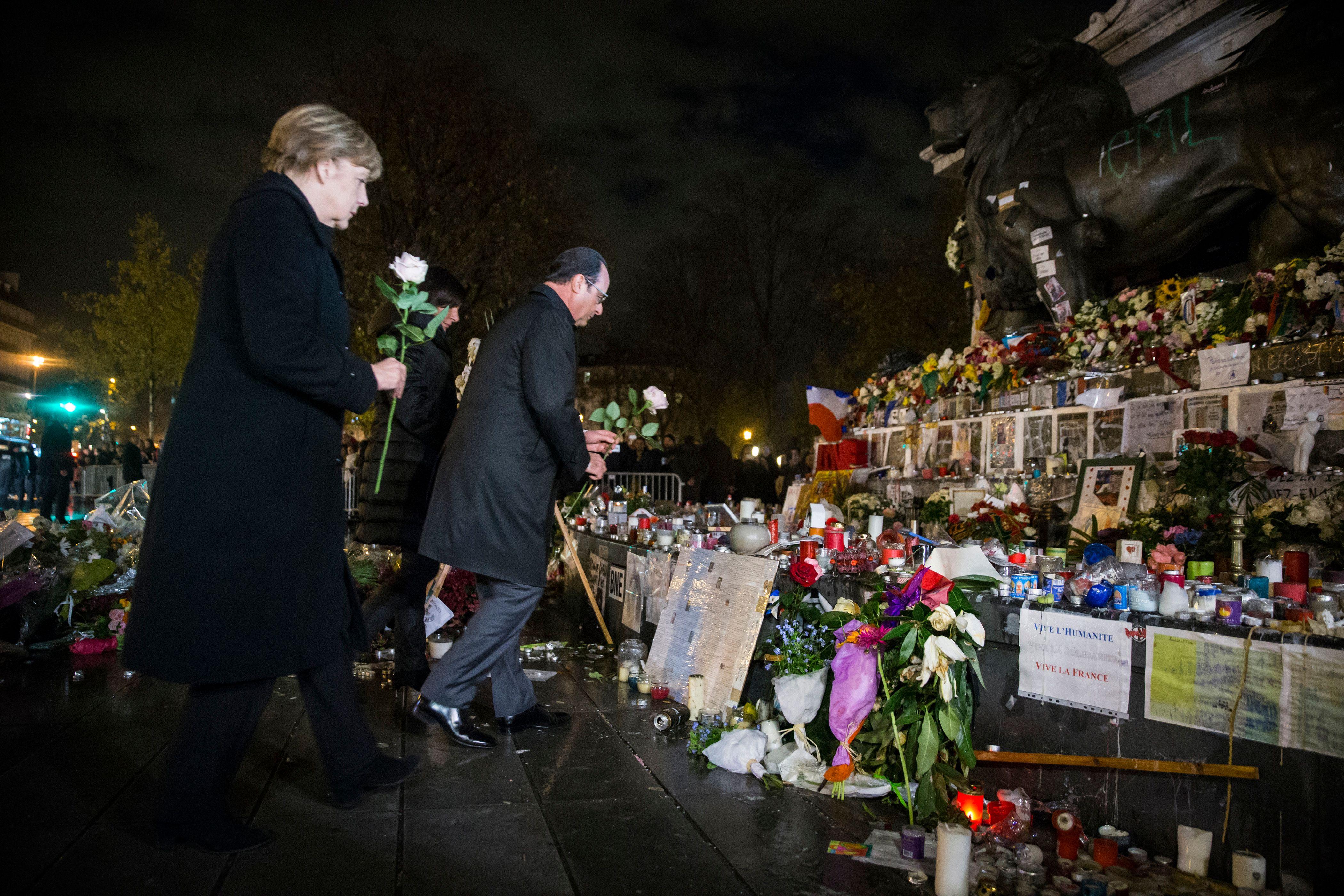 """""""Nous ne pourrons pas vaincre avec des paroles"""", assure Angela Merkel"""