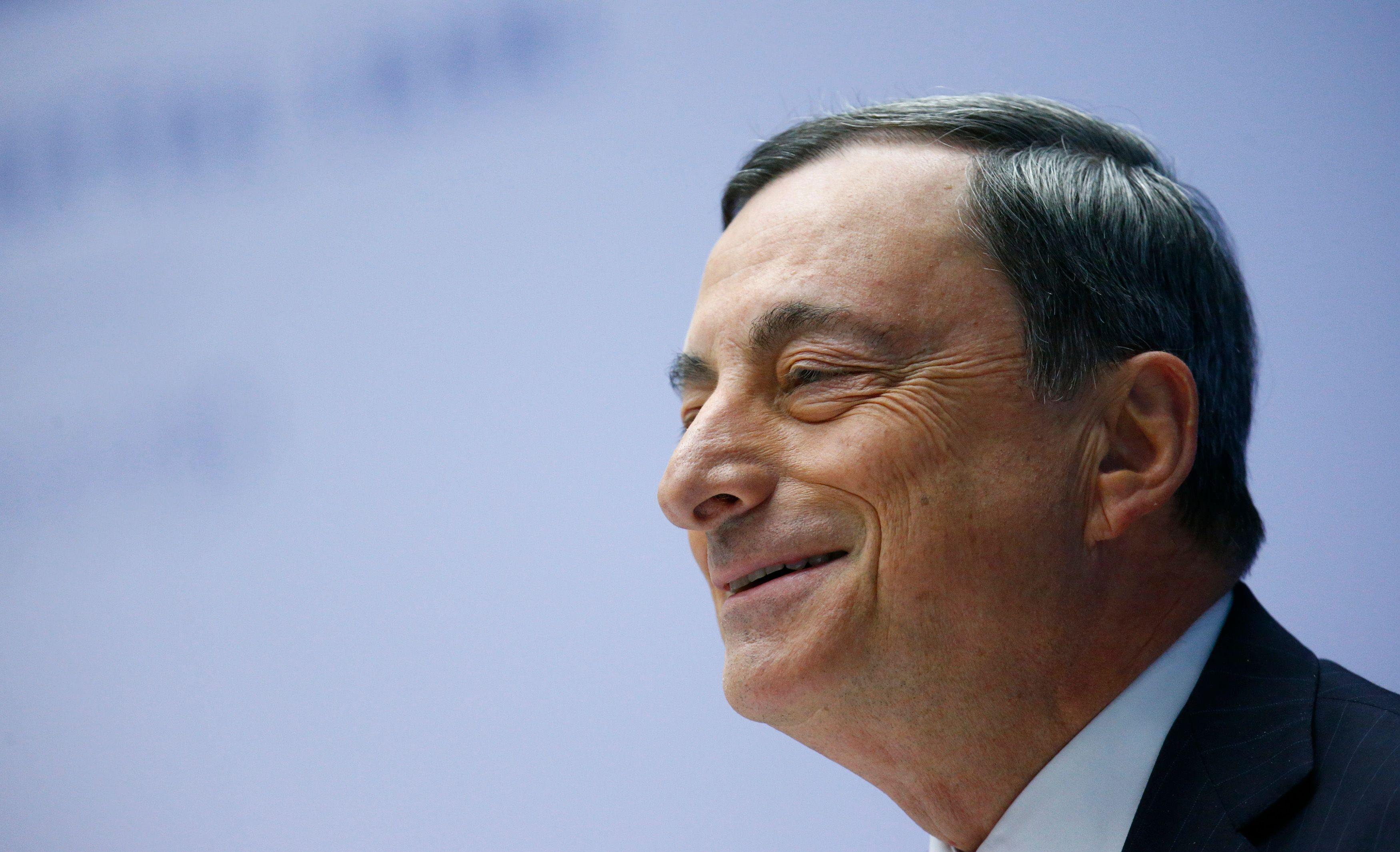 """""""La BCE fera tout ce qu'il faudra pour préserver l'euro"""" : petit bilan 5 ans après de ce que l'Europe et la France doivent à Mario Draghi... dans l'indifférence générale"""