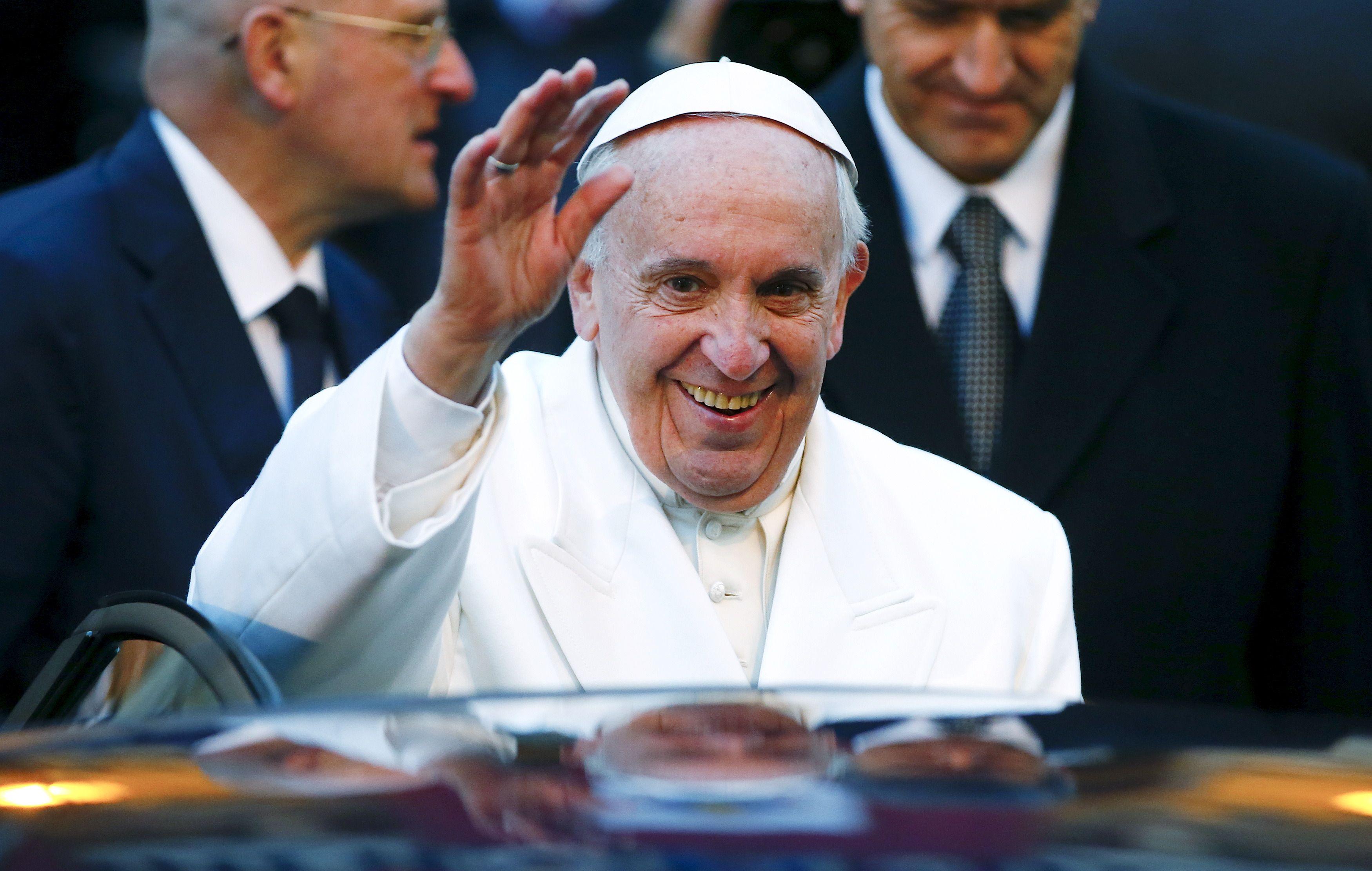 Tensions politiques sur l'Eglise : mais qu'a voulu signifier le pape François en disant qu'il ne sait pas d'où vient Emmanuel Macron ?