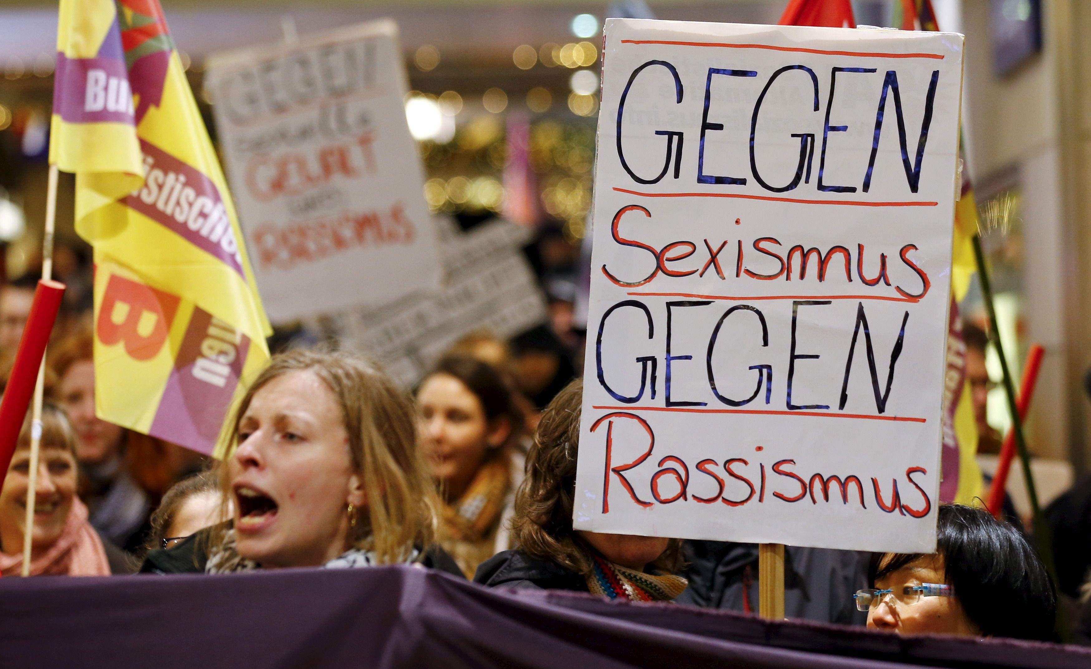 Vague d'agressions sexuelles à Cologne : quand la peur de l'explosion paralyse police et médias allemands
