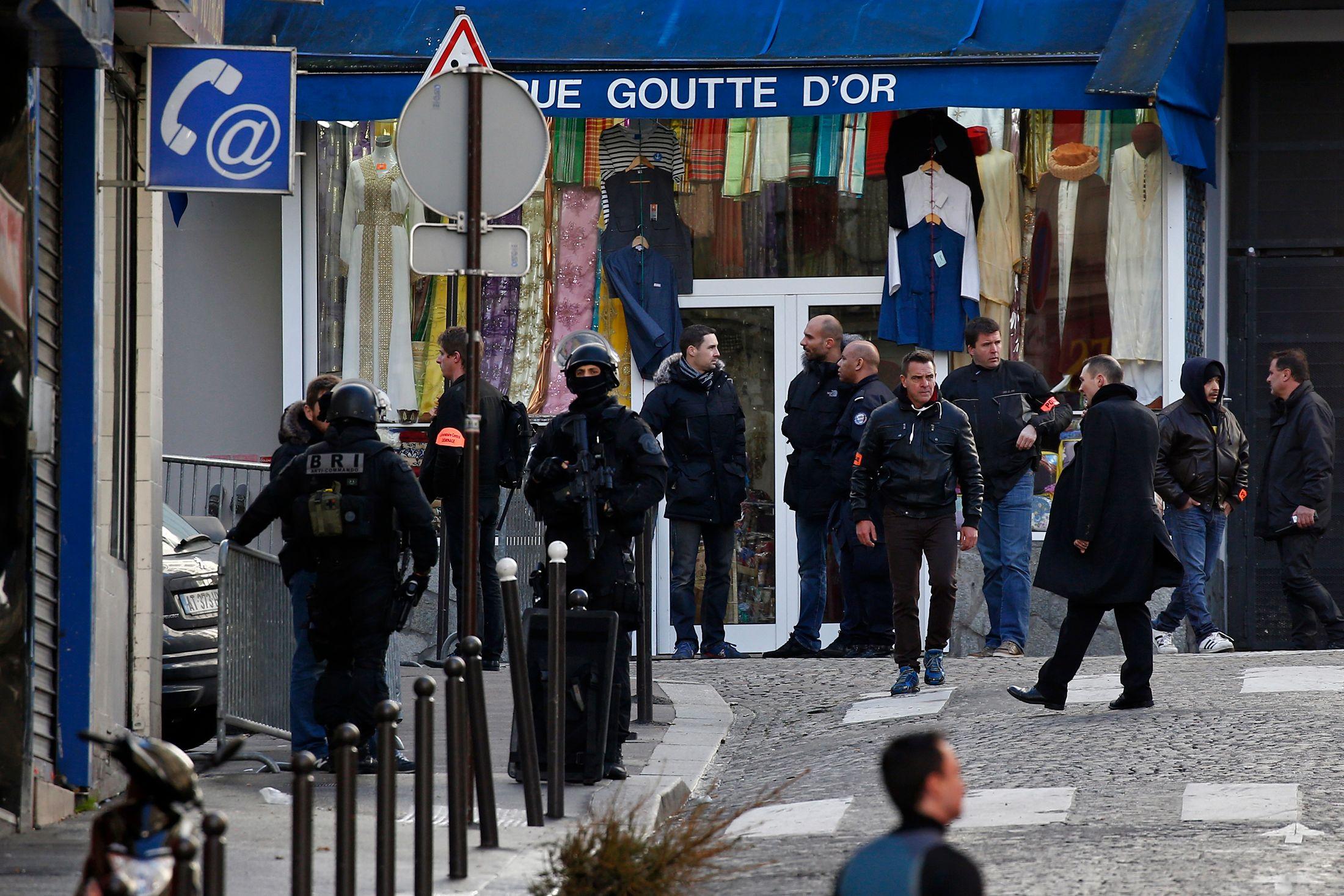 Le quartier où l'attaque s'est produite a été bouclé de longues heures par les forces de l'ordre.