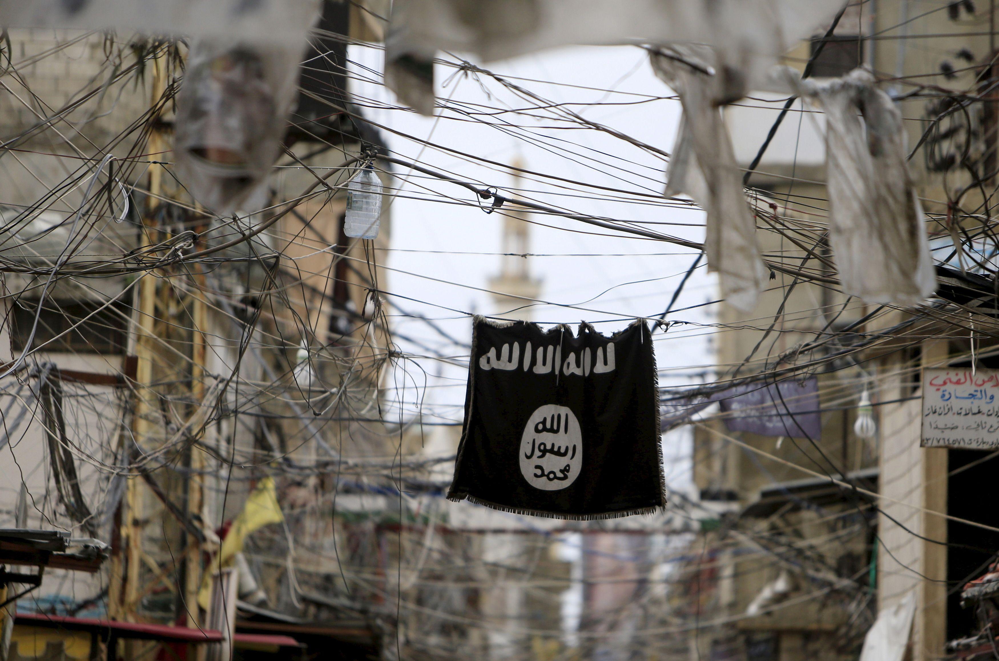 Pourquoi la présence accrue de membres de l'Etat islamique en Europe pointée par le chef du renseignement américain pourrait correspondre au retour de djihadistes partis combattre en Syrie