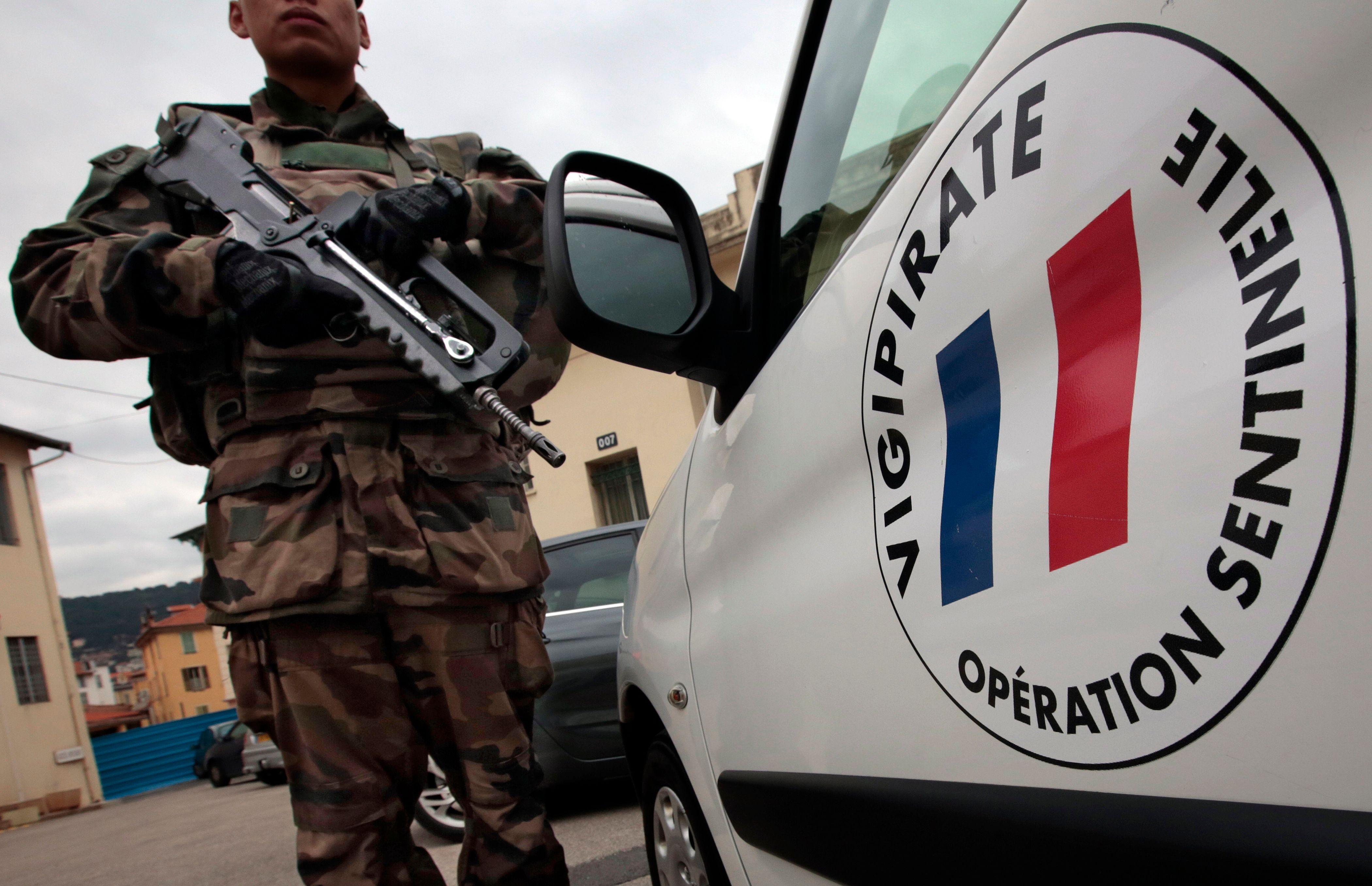 Militaires renversés à Levallois-Perret : un homme arrêté