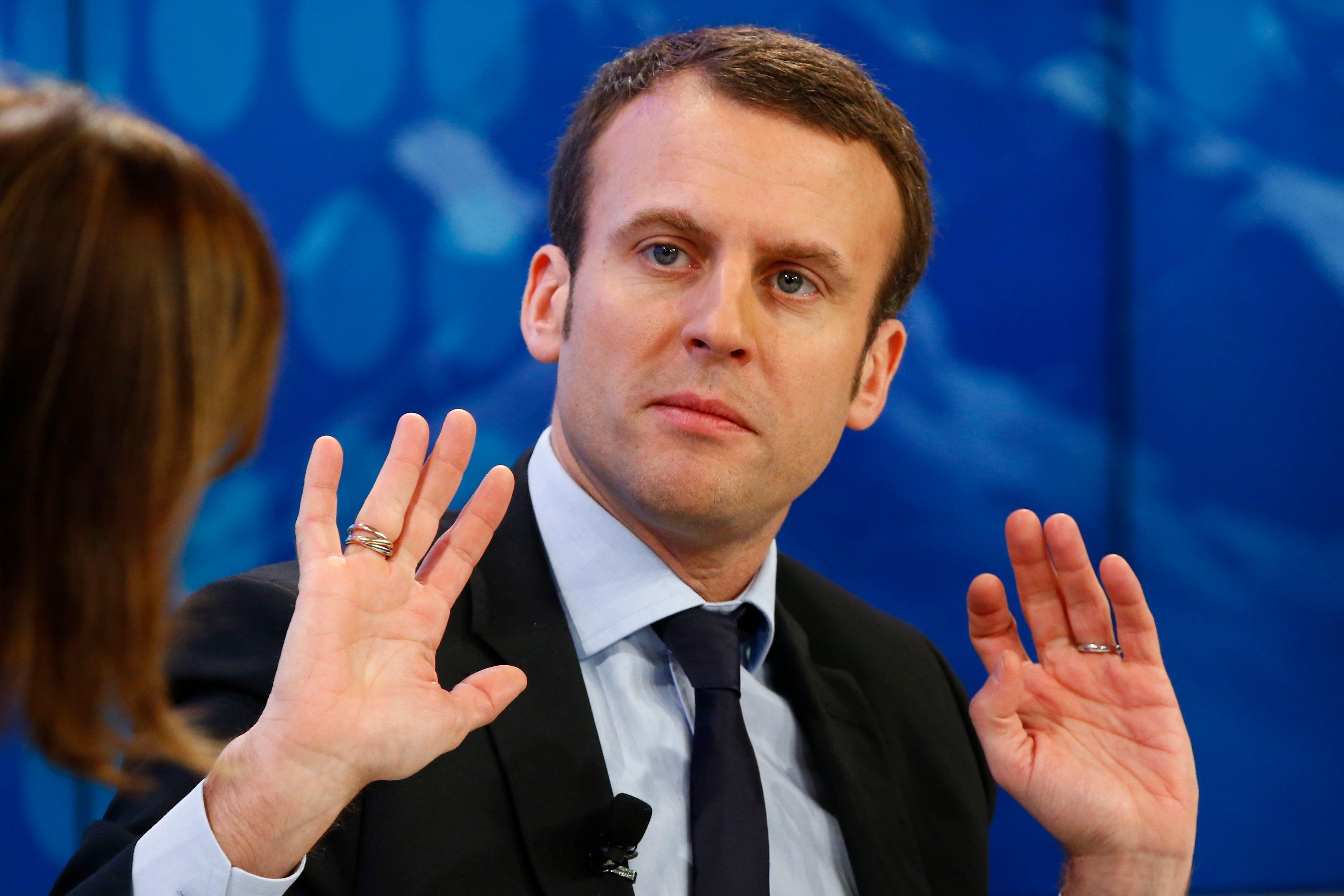 """Loi sur le travail : Emmanuel Macron promet de ne """"pas tout brutaliser"""""""