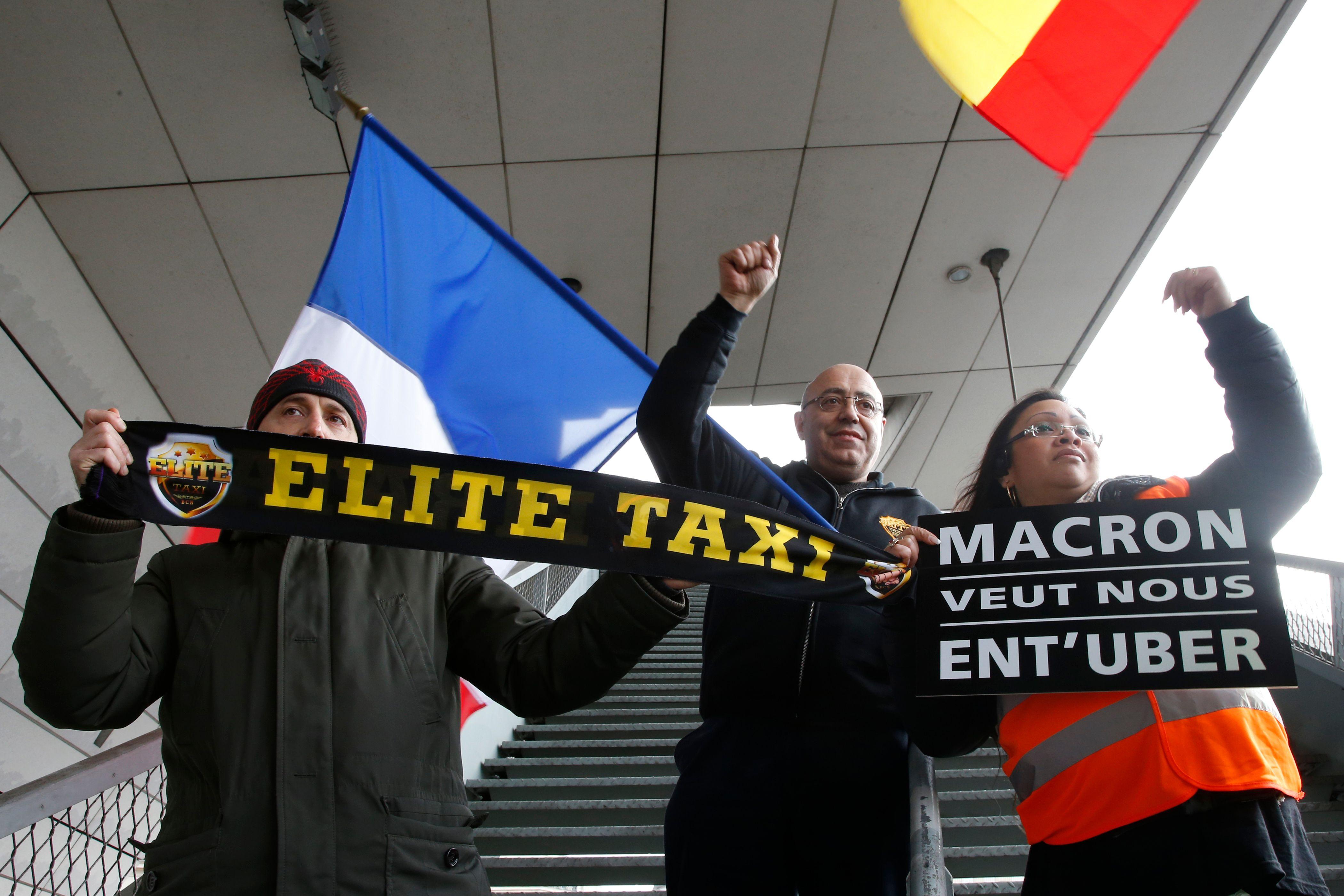 Grève des taxis : vers une levée des barrages, réunion prévue le 2 février avec le médiateur