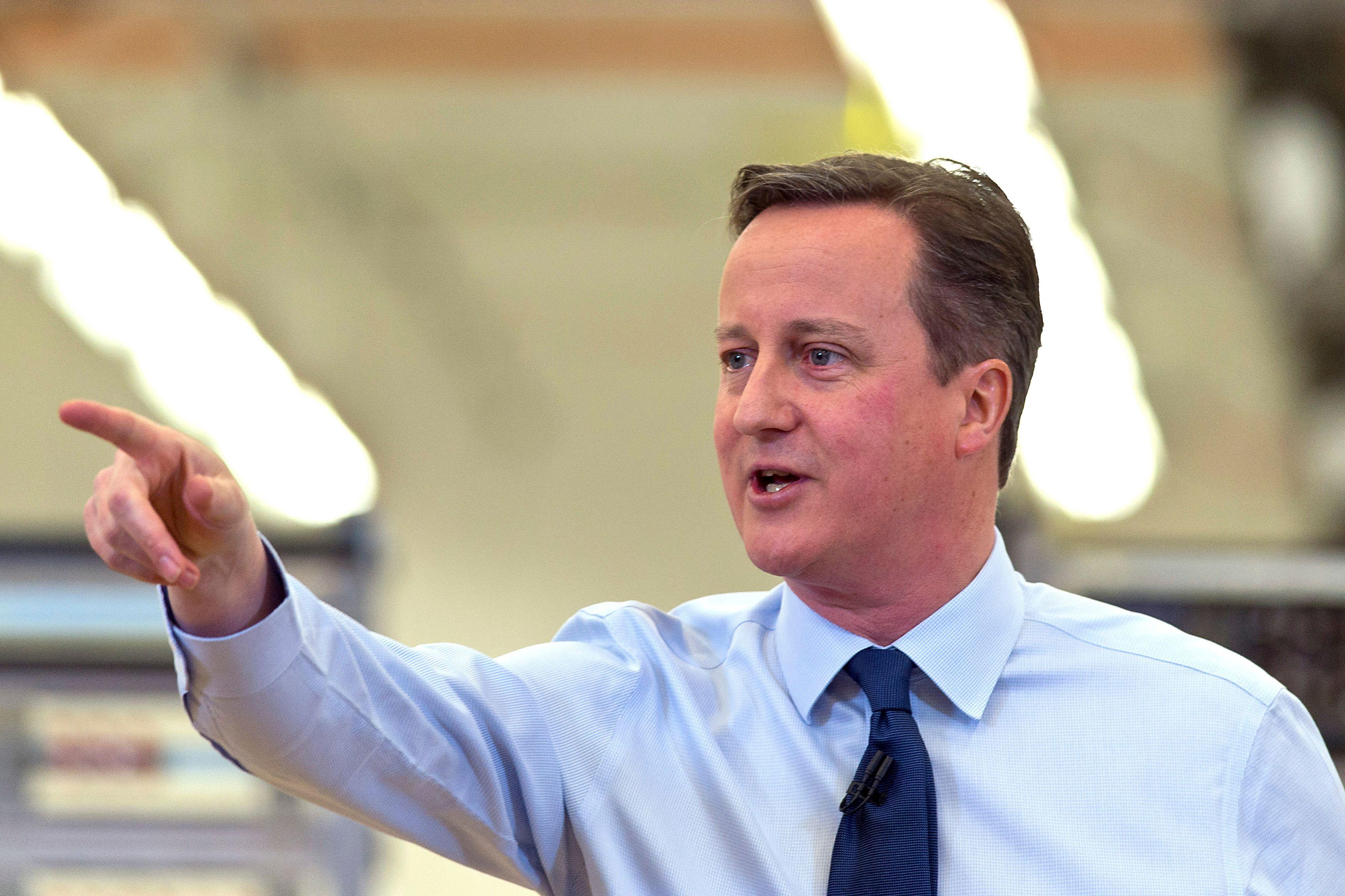 Brexit : comment les menaces de David Cameron parviennent à mettre la Commision européenne à genoux