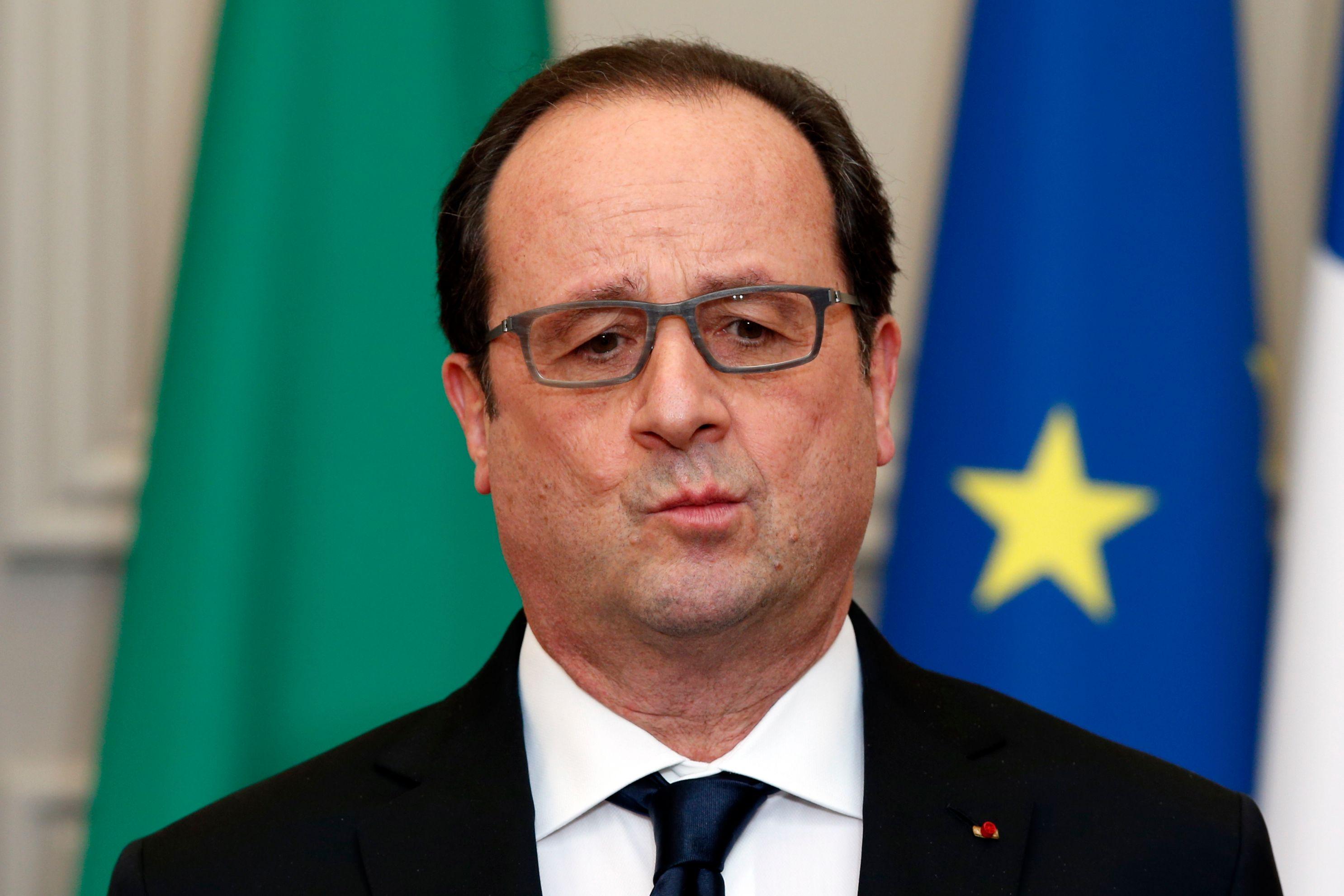 2017 : talonné par Mélenchon, François Hollande ne passerait pas le premier tour